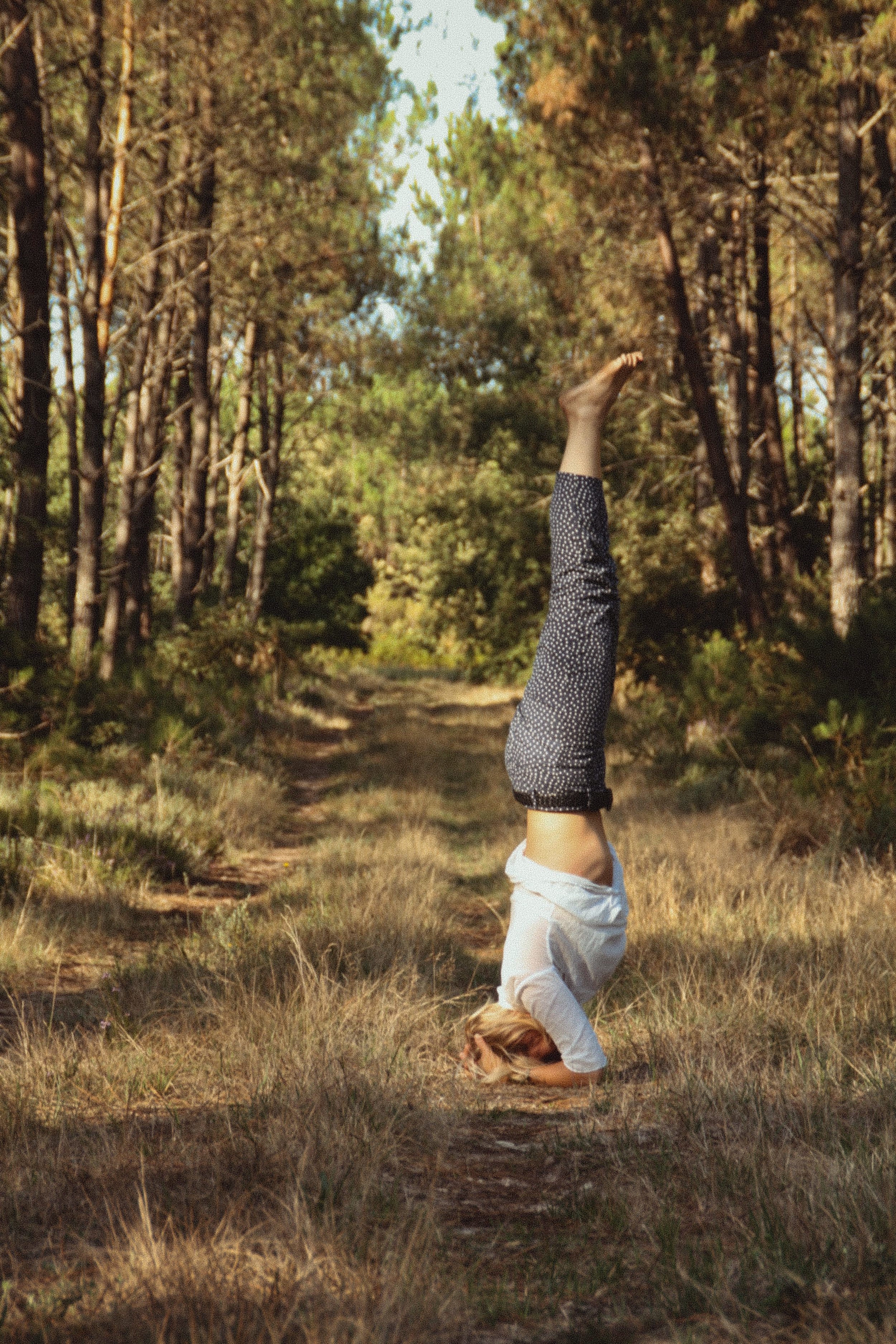 Headstand-tamsin-chubb-yoga-ayurveda-little-french-retreat-teacher.jpg