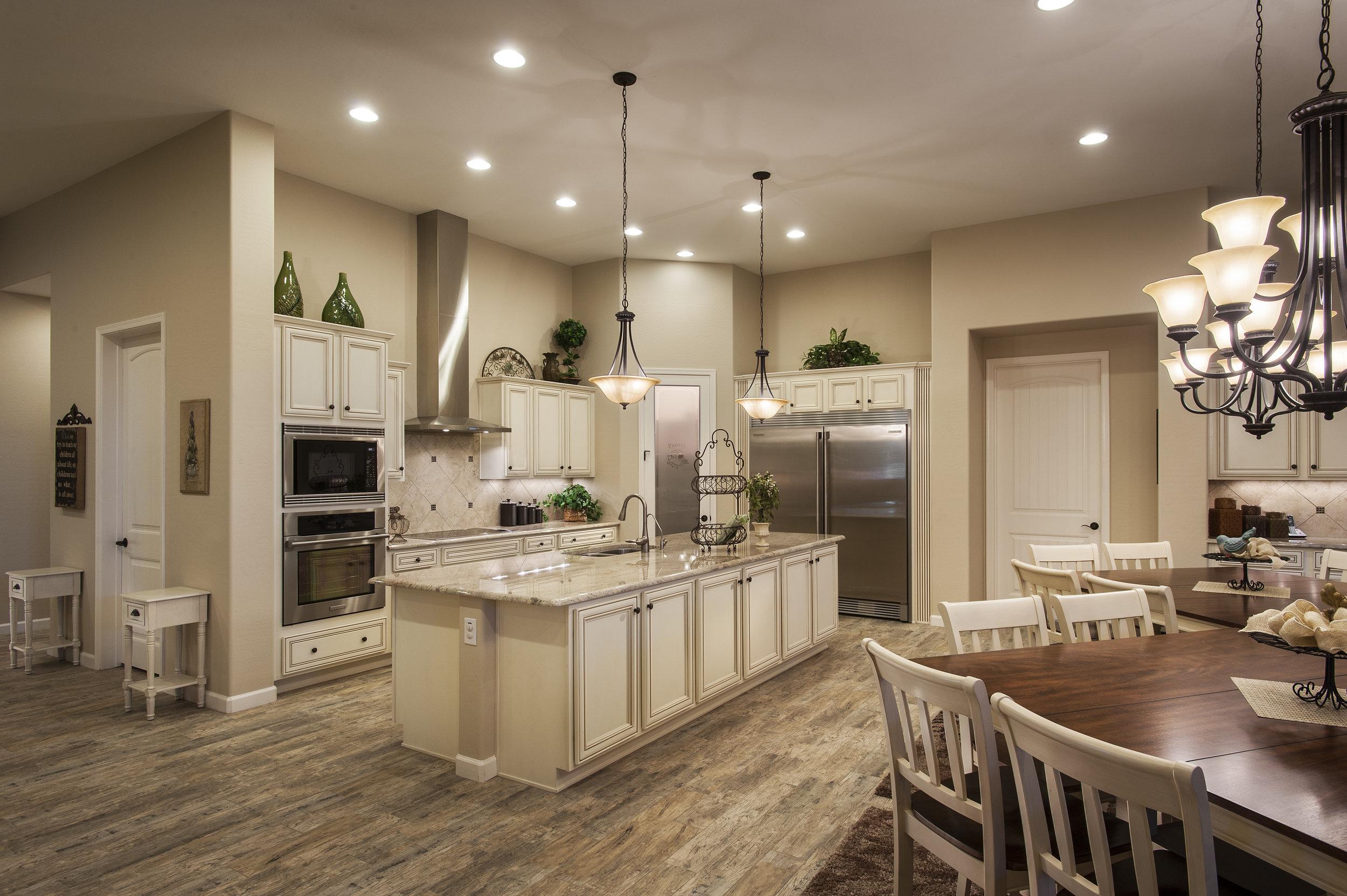 37-2569 Kitchen.jpg