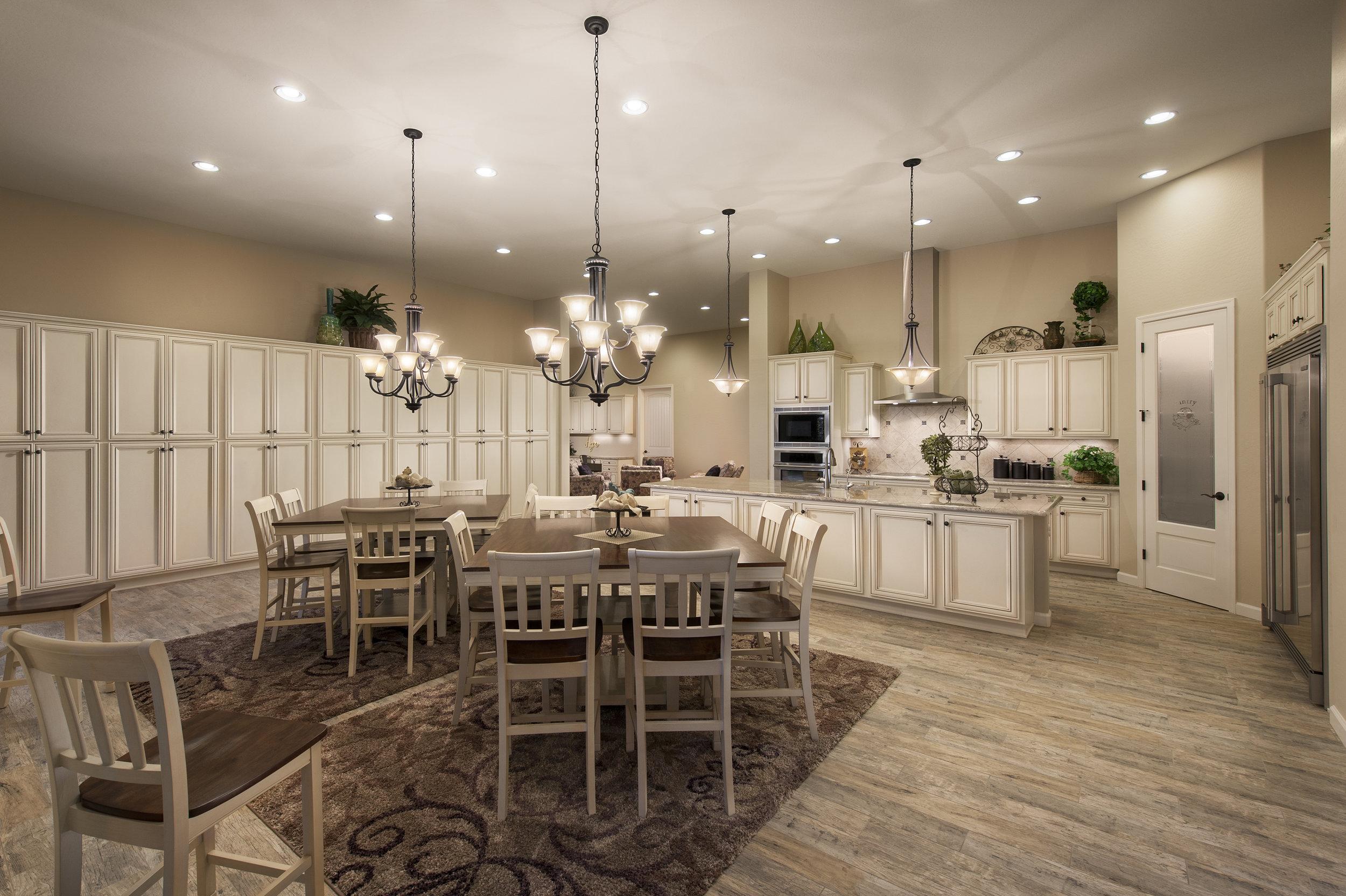 37-2569 Kitchen 2.jpg