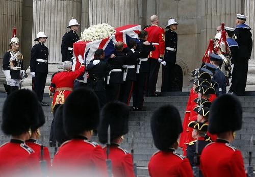 800px-Begräbnis_Margaret_Thatcher_(8657022449).jpg