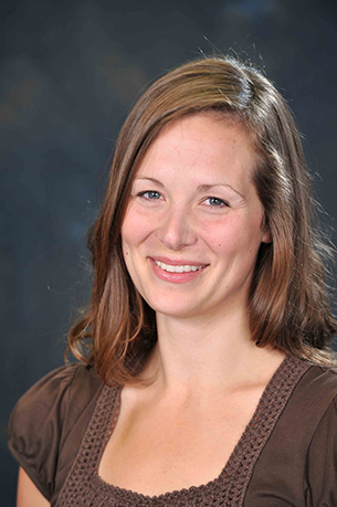 Laura werner is a Registered Physiotherapist with specific training in the management and treatment of pelvic floor, abdominal, uro-gynecological and lumbopelvic dysfunctions. Laura is cross-trained as a yoga teacher and PhysicalMind Mat Pilates instructor and held a position as a varsity basketball player prior to being a physiotherapist.