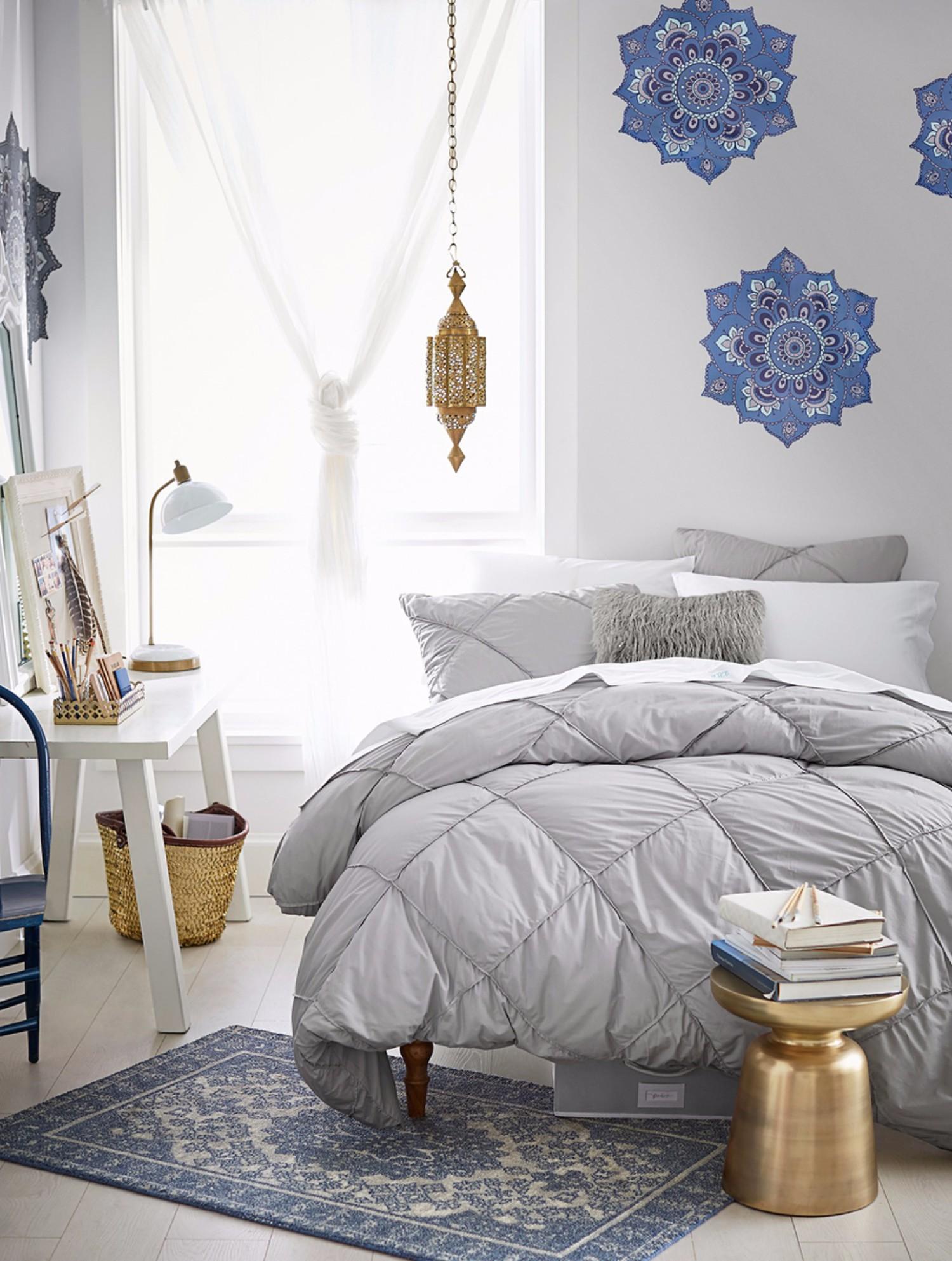 D16sp04_bedroom_v1_ss_022x.jpg