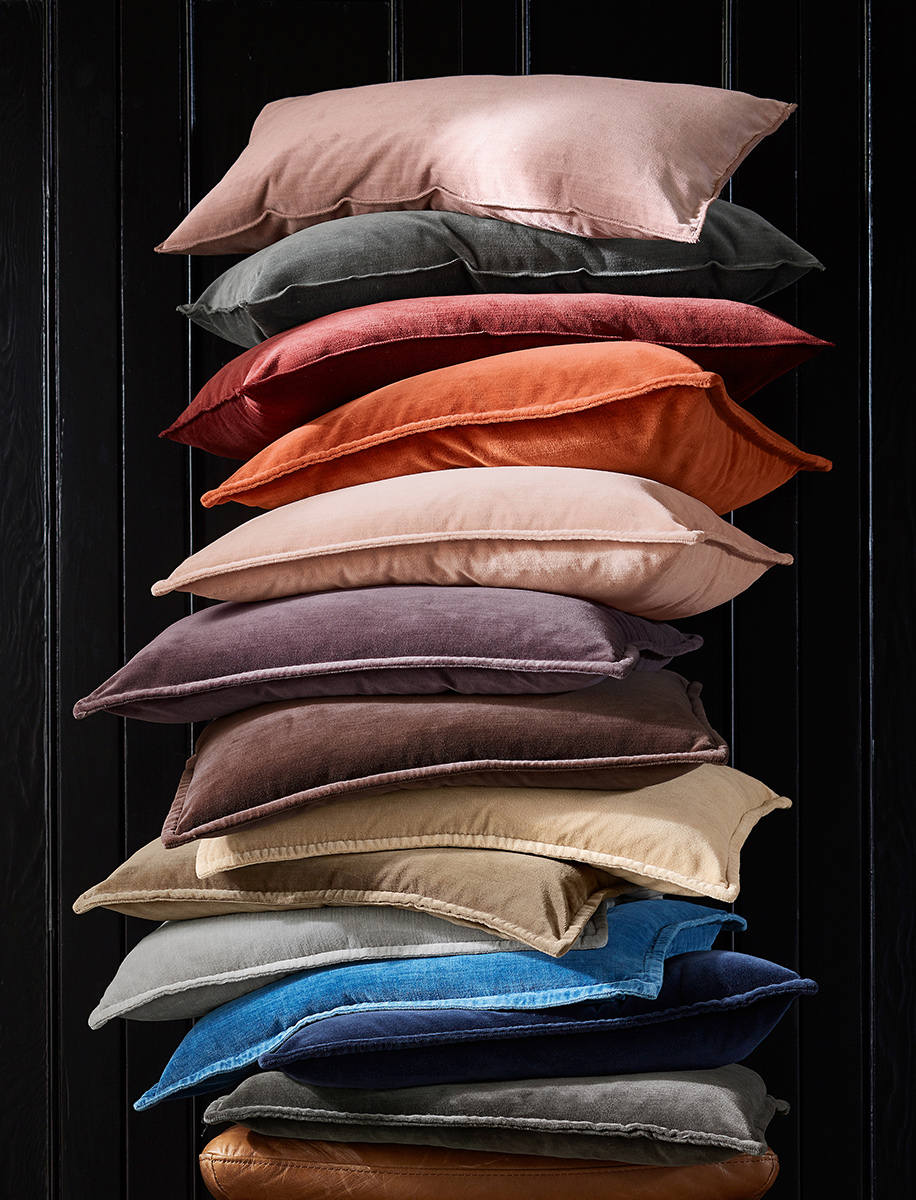F17sp76pillows_v1_lr-1202.jpg