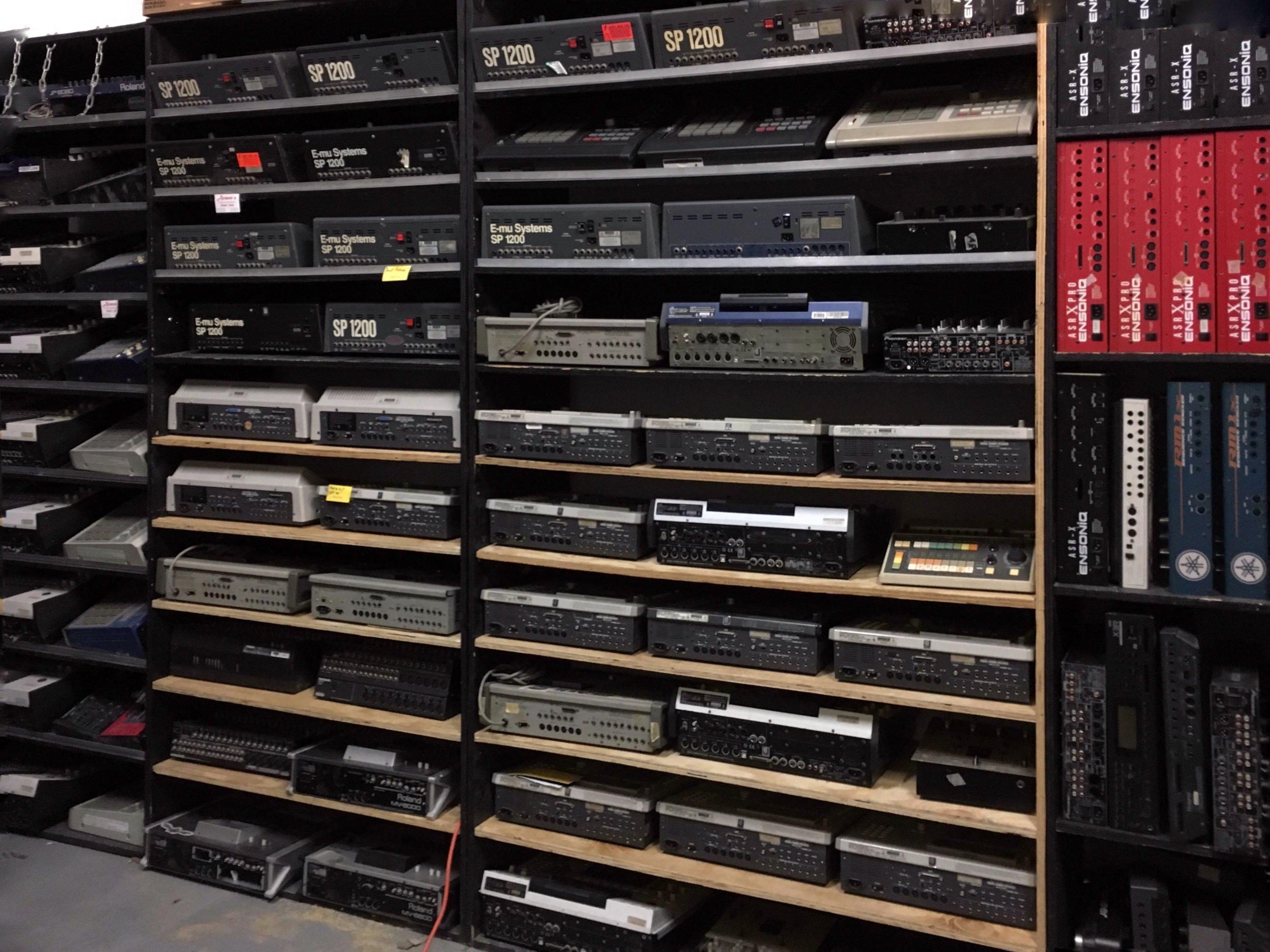 drum machines sp1200 mpc