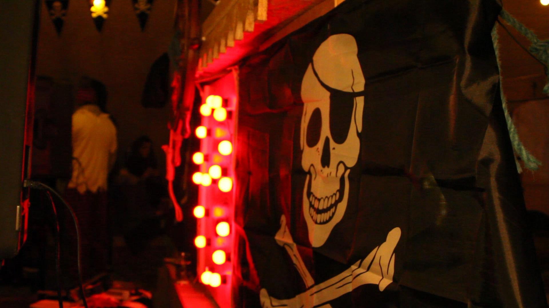 Pirate Flag (stage) - BtoF-1.jpg