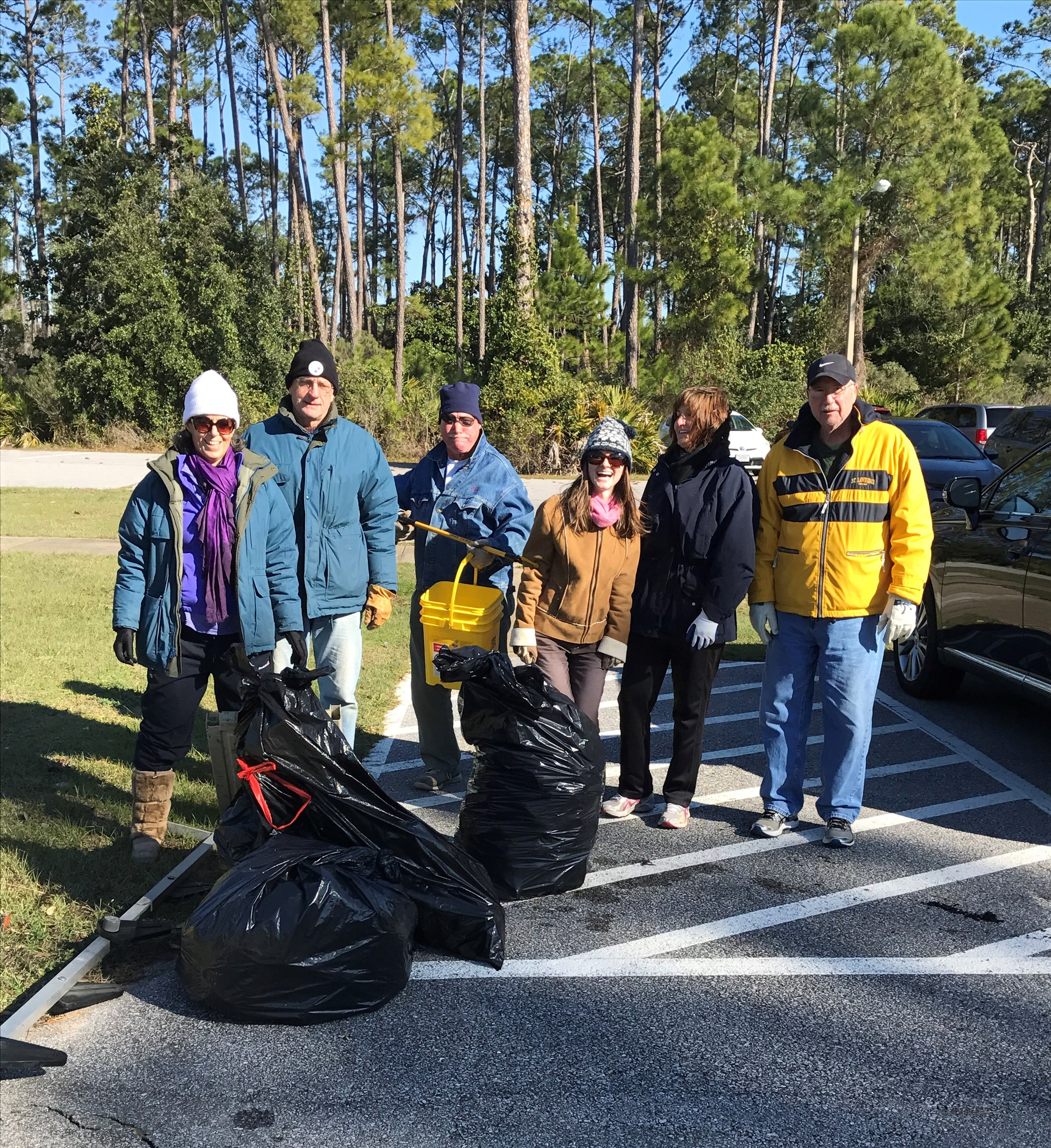 Sixteen brave souls weathered cold for Gulf Breeze at today's cleanup. We picked up 101 lbs of marine debris including cigarette butts (most common), food wrappers and styrofoam.