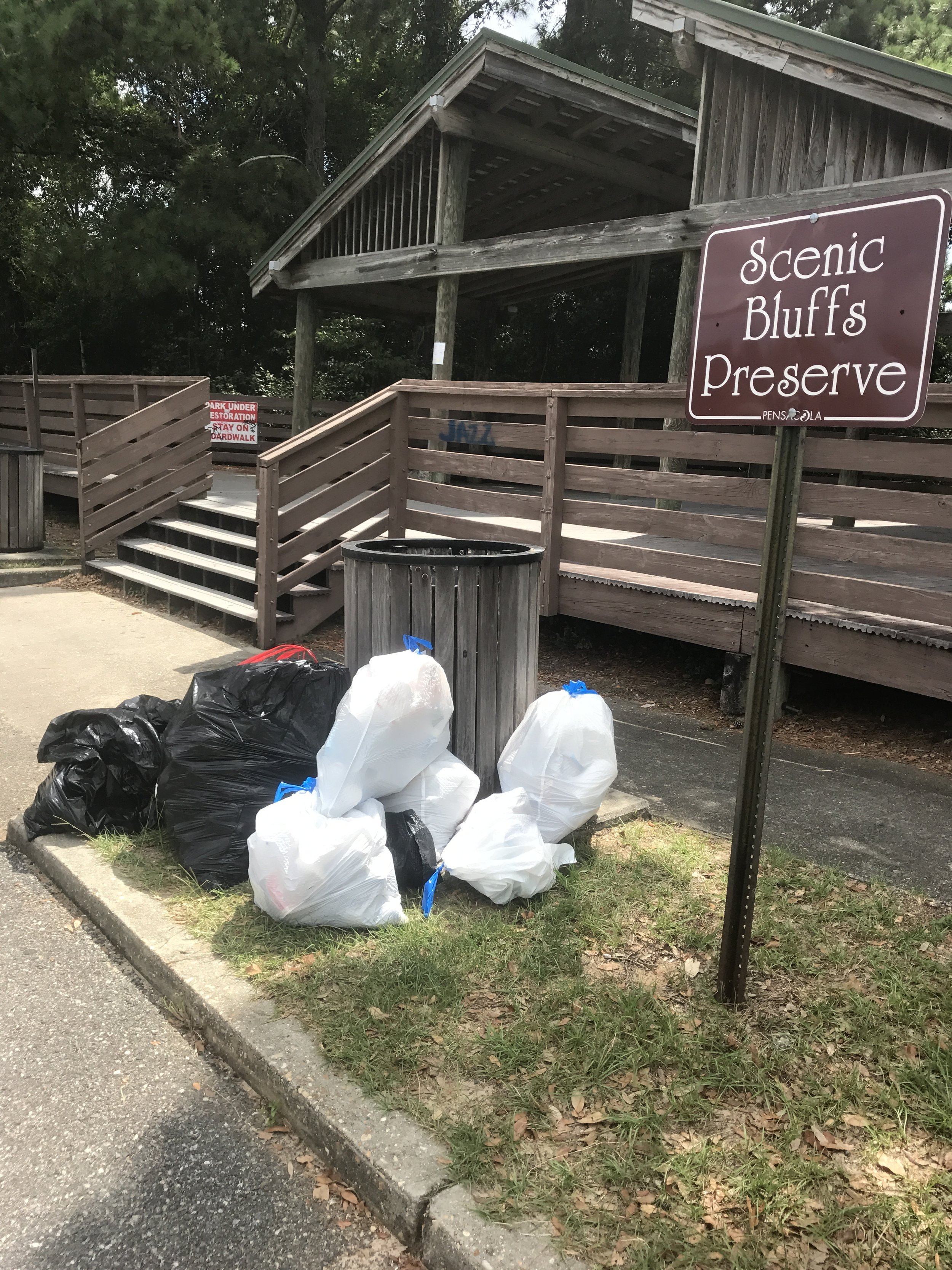 18 volunteers picked up 139 lbs of styrofoam, beverage containers and cig butts. Apple Market supplied energy in form of breakfast biscuits and coooold water! -