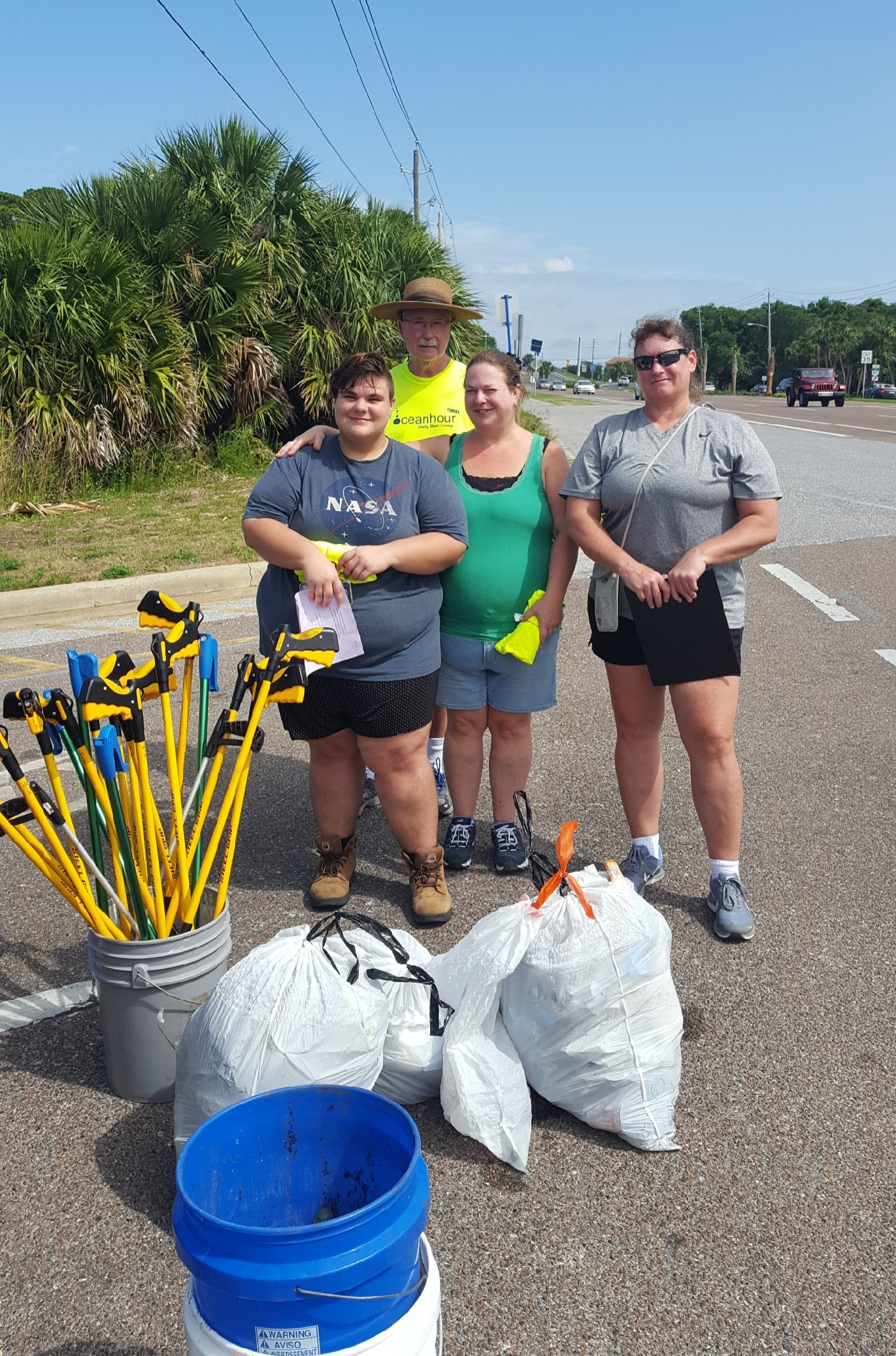 - At Naval Live Oaks 10 volunteers picked up 25 lbs, 24 lbs at the north end of Bob Sikes bridge and 105 lbs at the south end