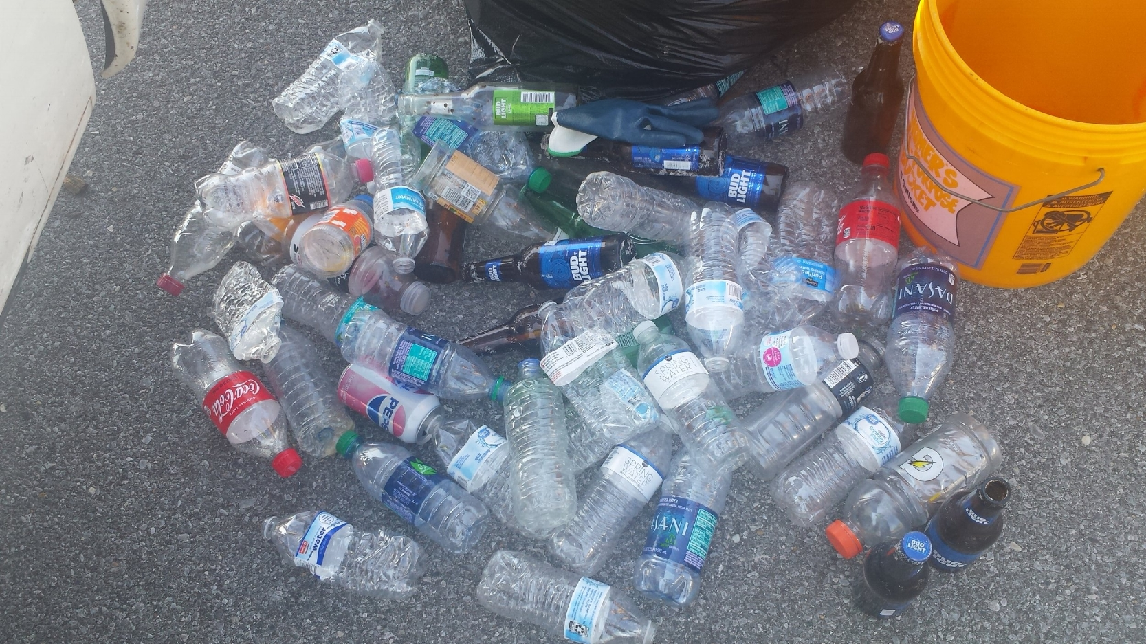 - 33 Volunteers picked up 160 lbs of trash bringing monthly total to 811 lbs. For the month 237 water bottles . Observation - in an area picked up 47 water bottle lids and ONLY 1 water bottle! Where are the other 46?