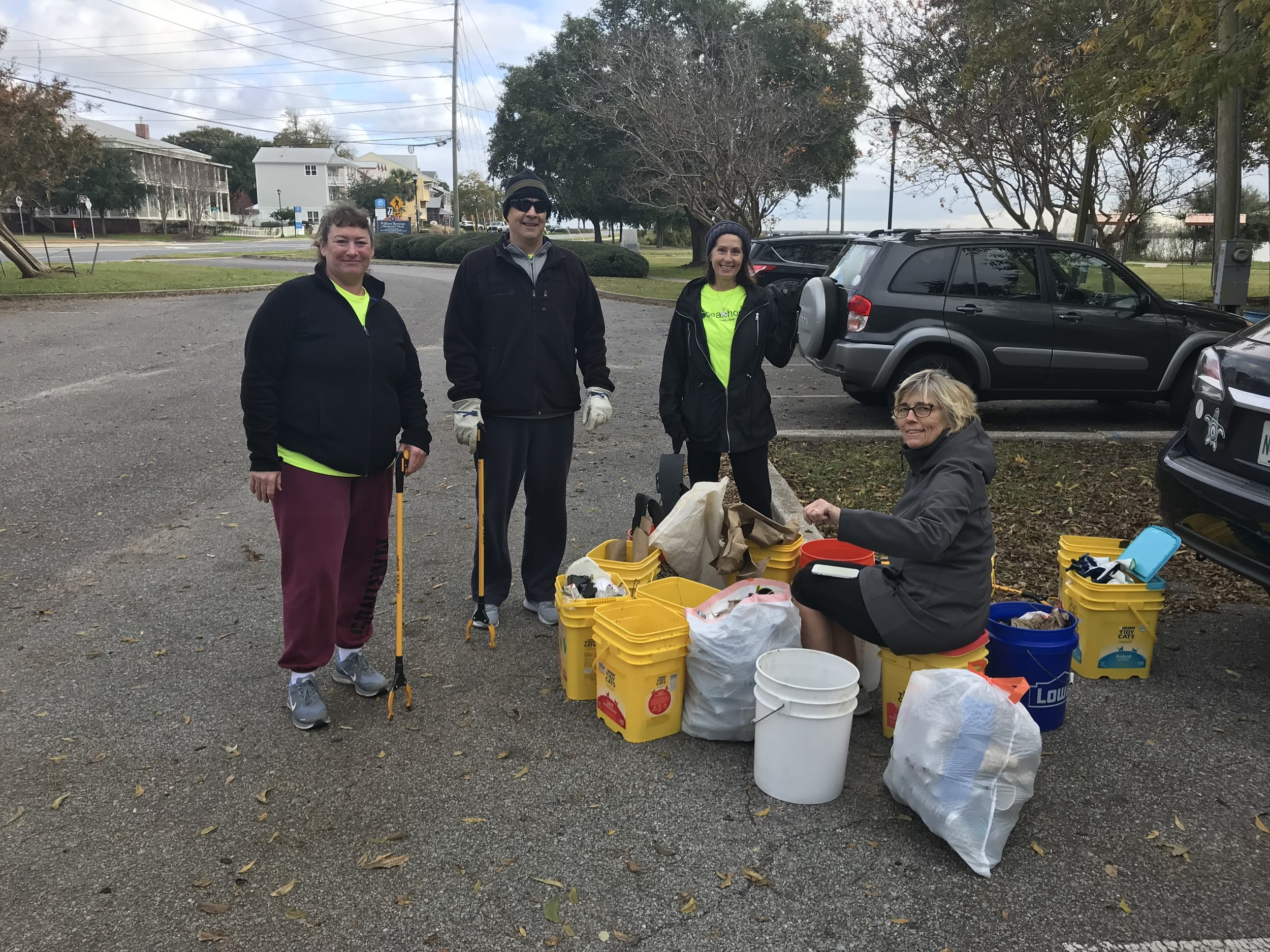 """- 43 volunteers picked up 181 lbs of trash at Wayside and Bartram Parks. Thanks to the new """"Daisy"""" Girl Guide  and Gulf Coast Citizen Diplomacy Coastal International"""
