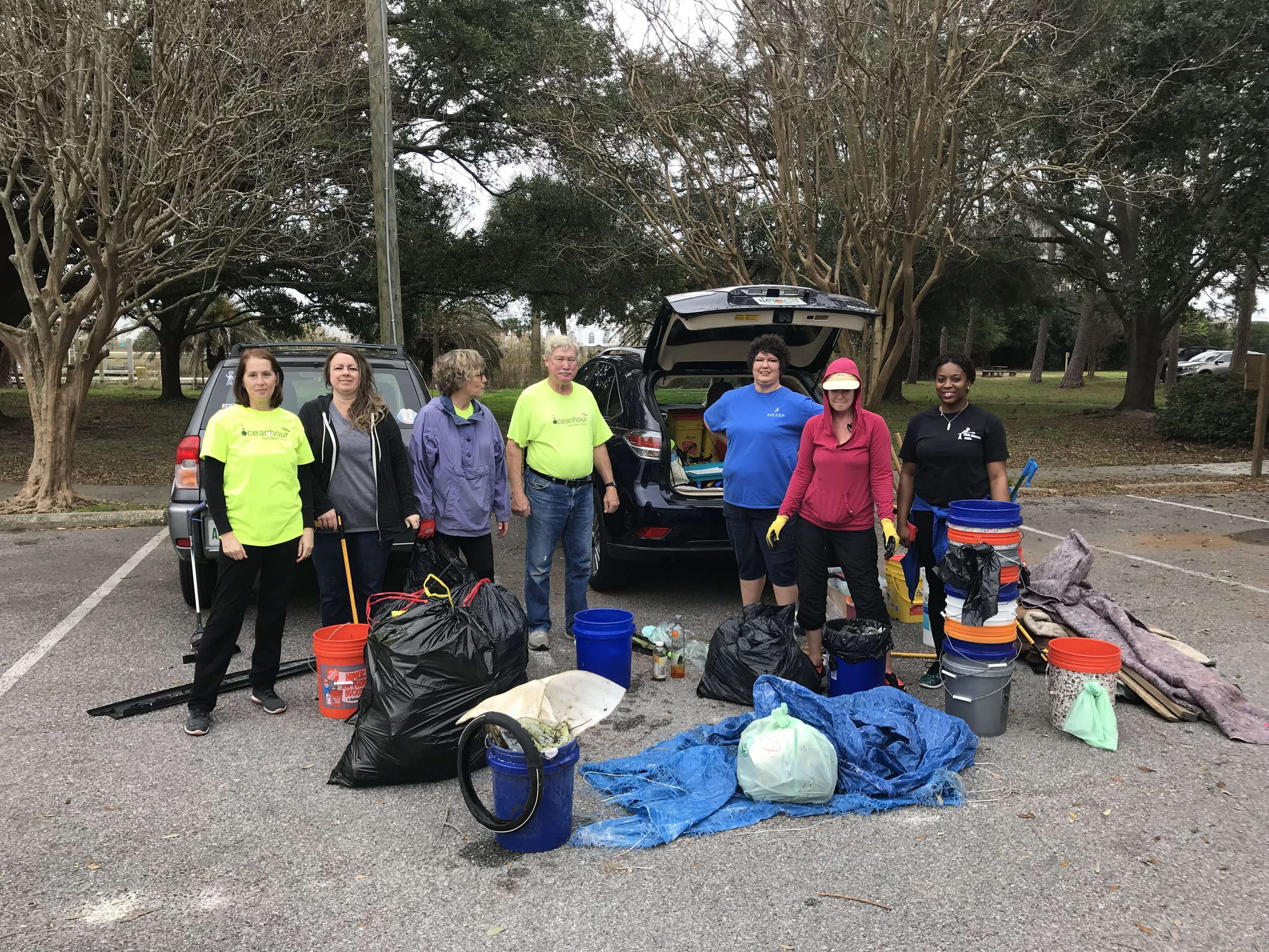 - Today's 66 volunteers are maintaining a weekly average trash pick up of 615 lbs in 2019. Groups contributing are Caldwell Bankers, Gulf Coast Citizen Diplomacy Council