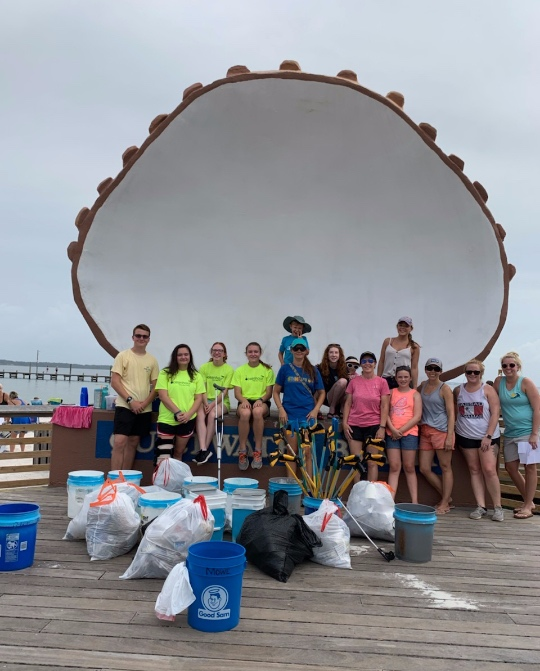 - 21 volunteers at the Payne Bridge on Cervantes to pick up 111 lbs of trash. Meanwhile, 24 volunteers showed up at Quietwater beach to collect 90 lbs for a daily total of 201!