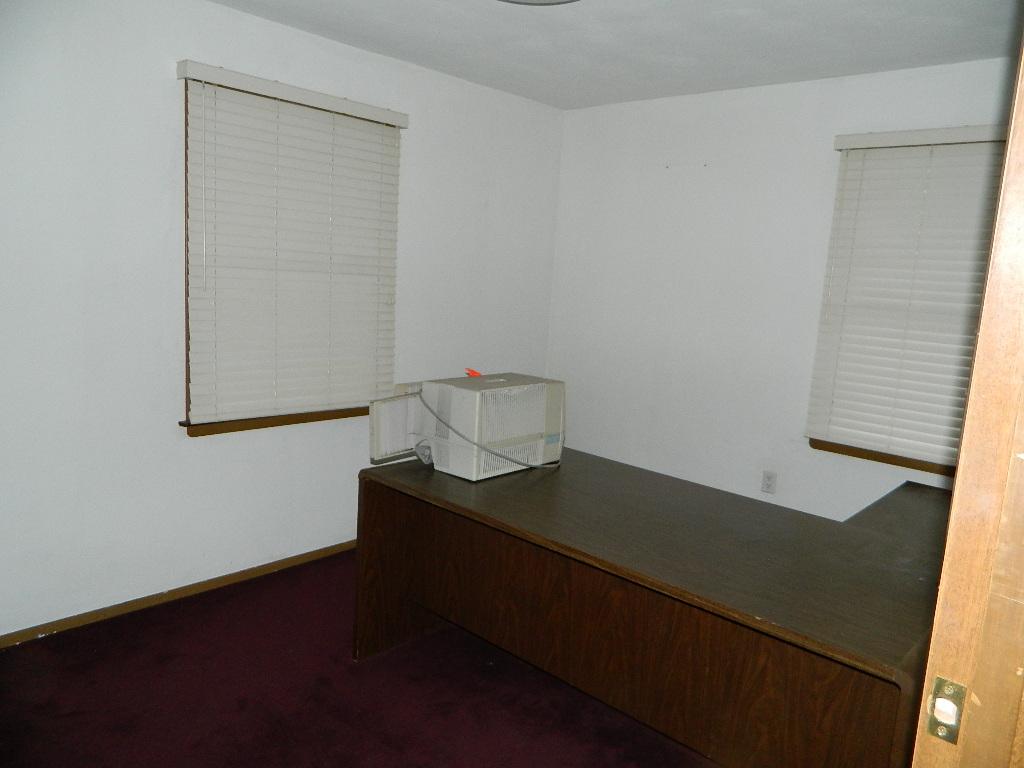 Interior of 554 Goucher Street (3).JPG