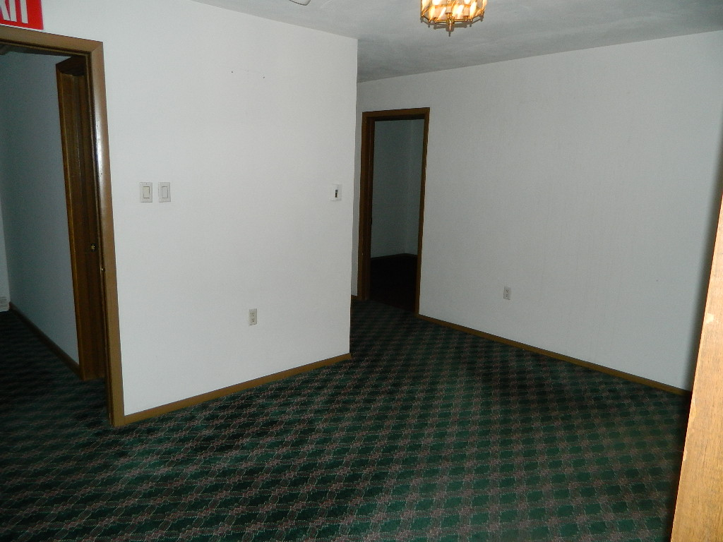 Interior of 554 Goucher Street (5).JPG