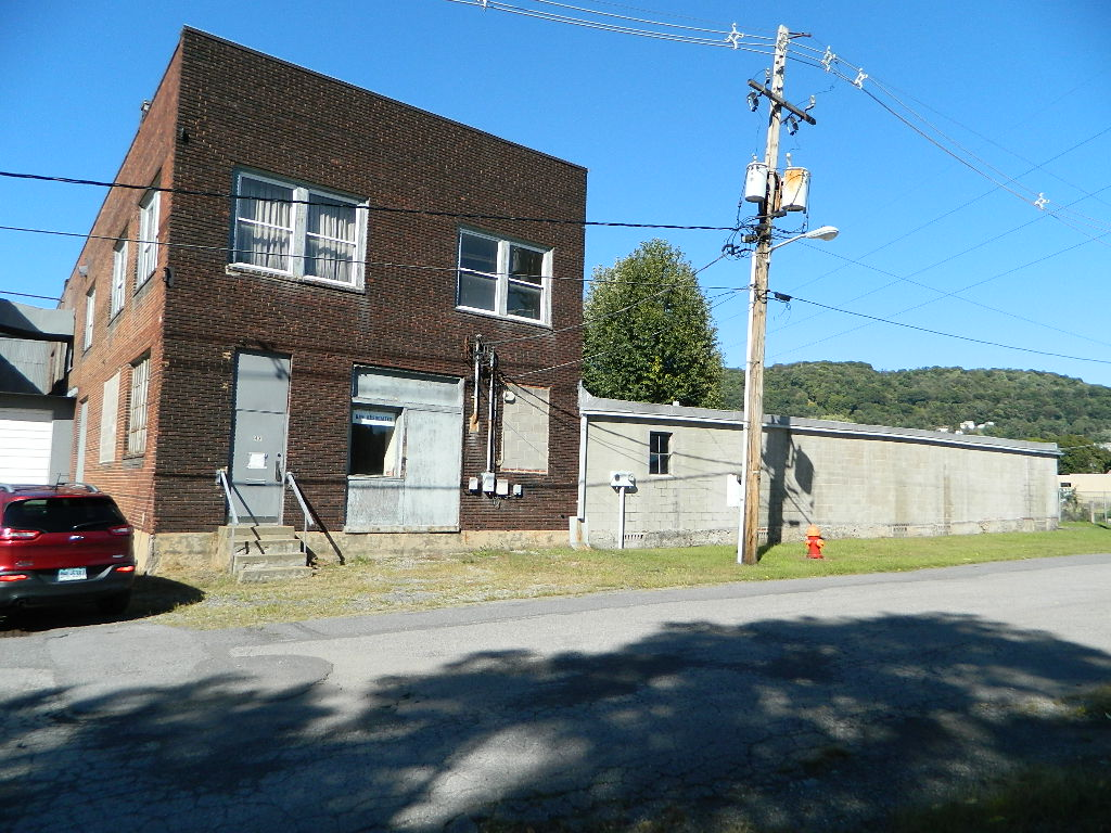 47 Messenger St Johnstown PA 15902 - For Sale, Asking: $59,900