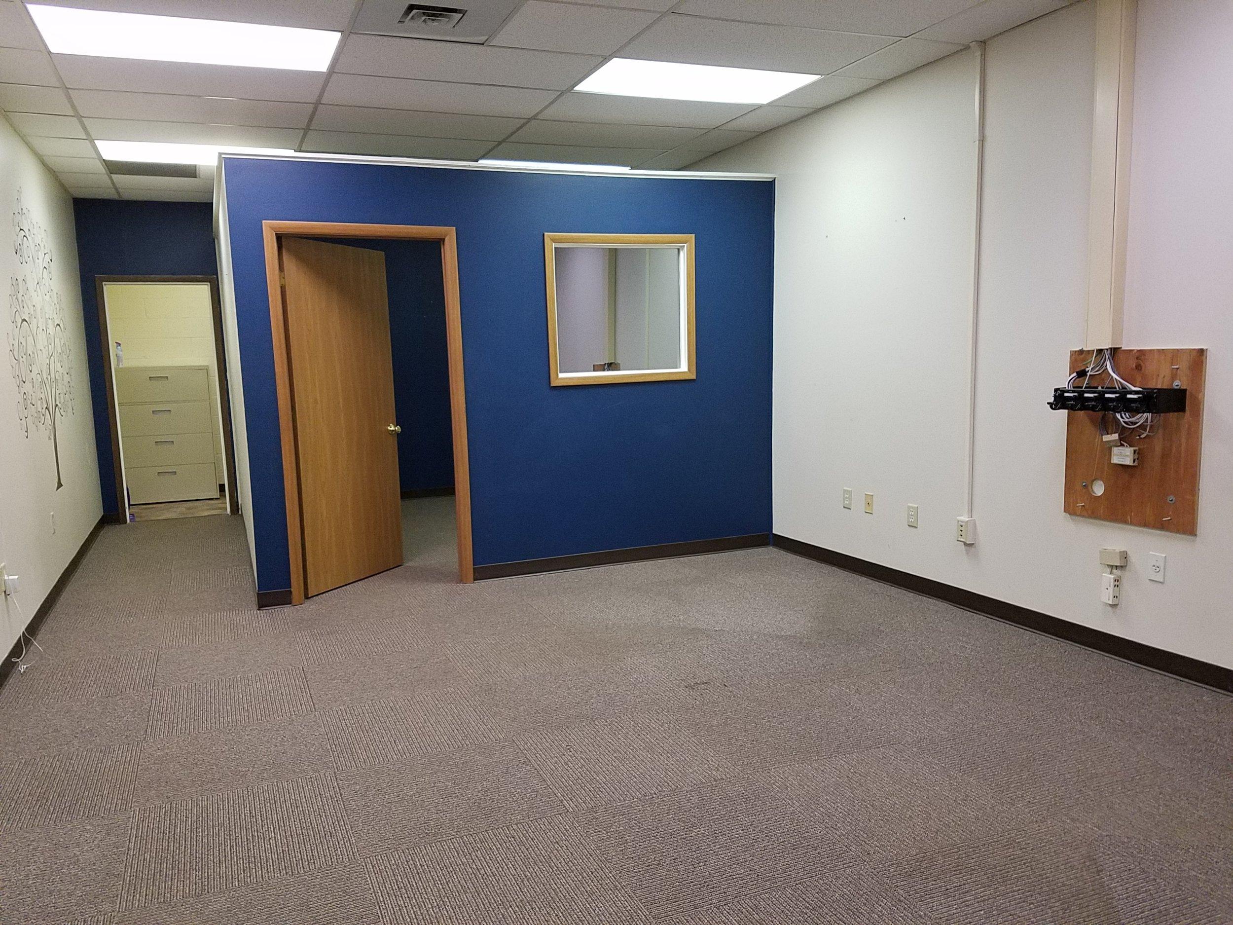 214 College Park Plaza, Richland Township - Suite 105 - $1000 per month