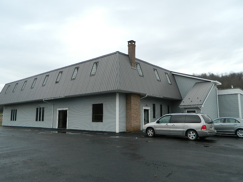 1237 Penn Avenue Davidsville, PA 15928 - For Lease $2,950 per month