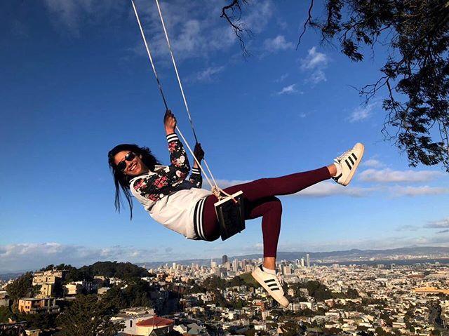 👋 #swingbombsf ・・・ As free as the wind 💨 • Repost @christieaurelio • • #SwingBombSf #Swing #SanFrancisco #California #Freedom #City #Fly #Balanço #Amazing #Sky #Blue #Perfect #Trip
