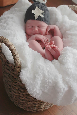 Kaleb2_artistix_newborns.png