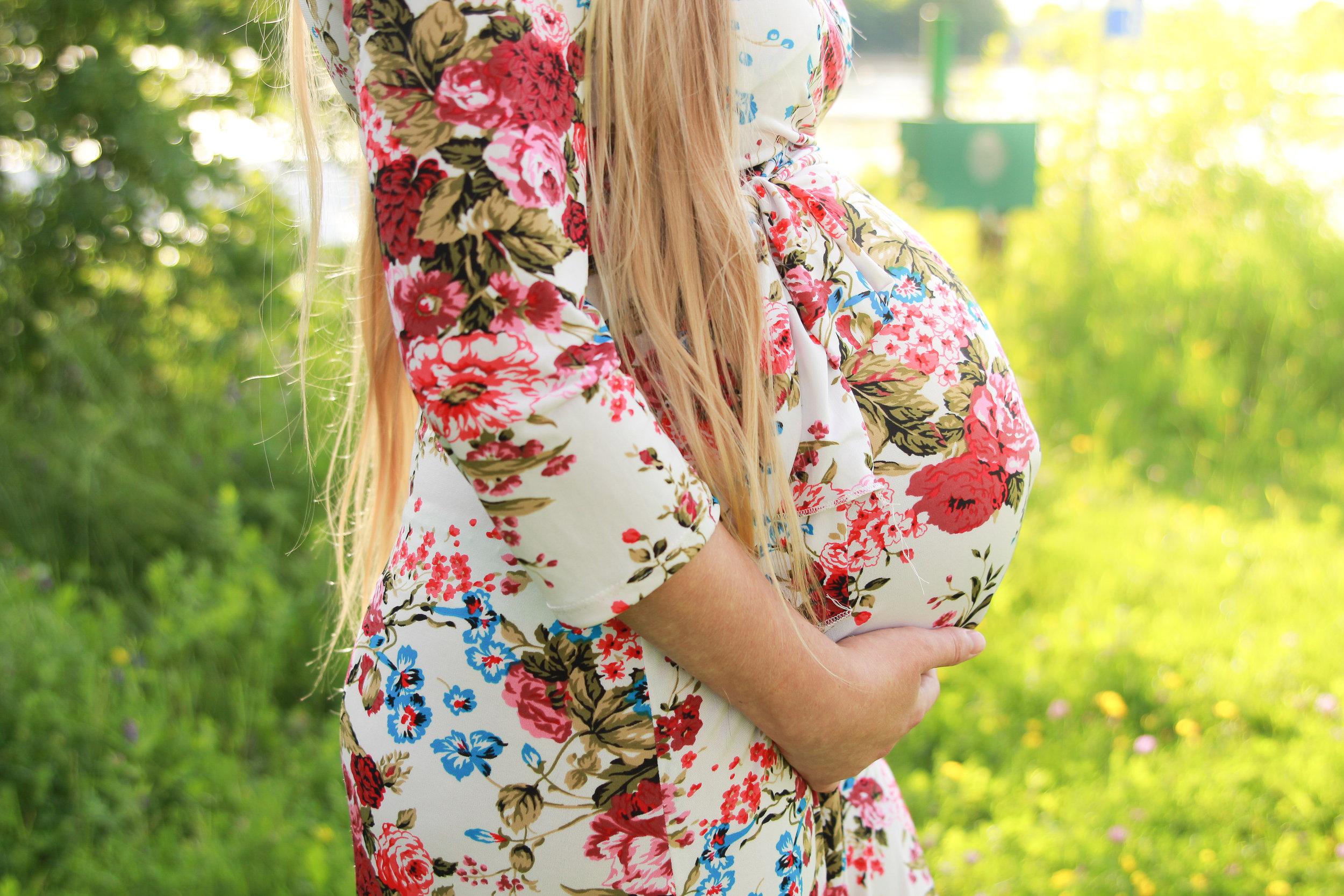 N {Maternity}-21.jpg
