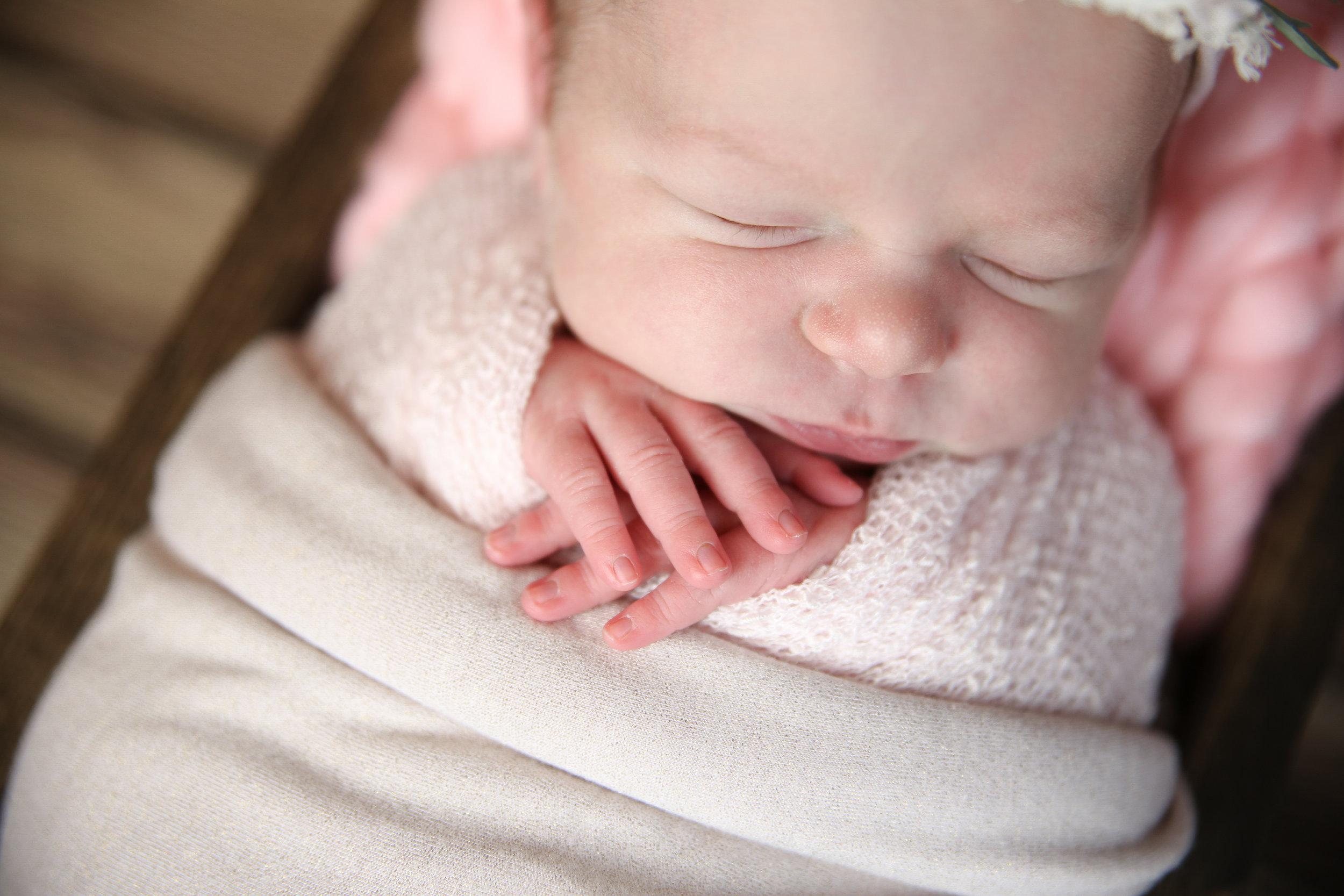 A {Newborn!}-89.jpg