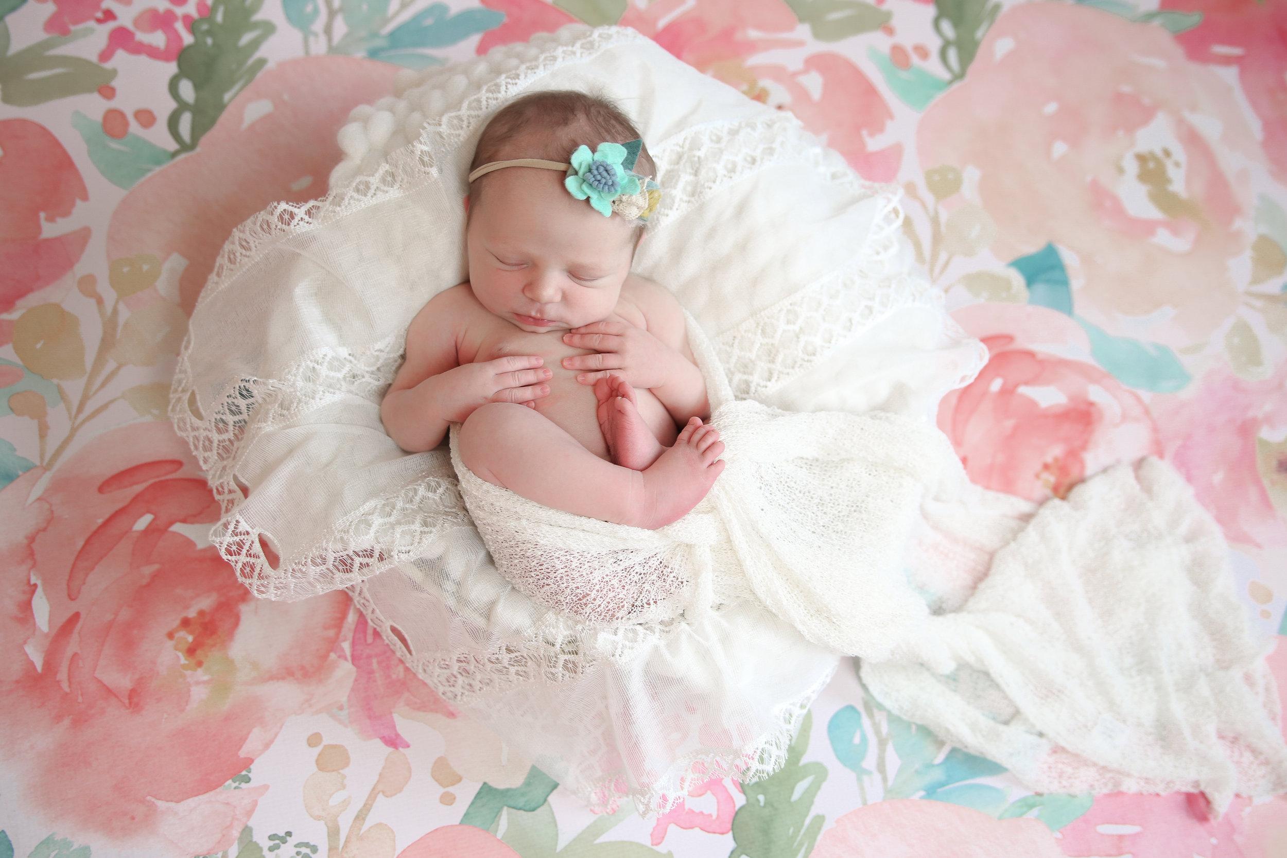 A {Newborn!}-45.jpg