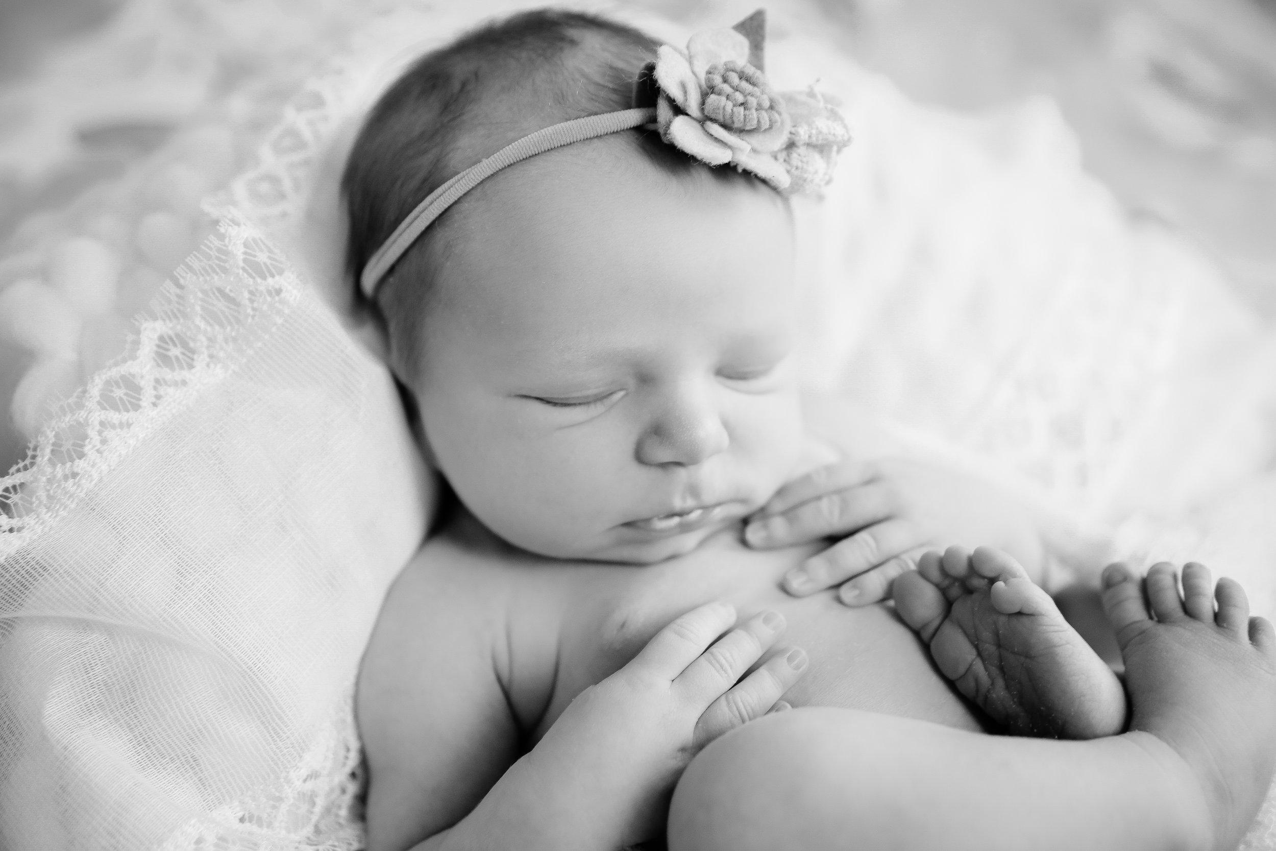 A {Newborn!}-52.jpg