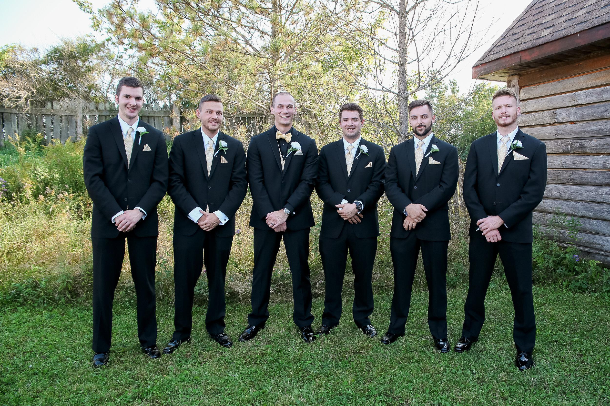 {WeddingParty}-19.jpg