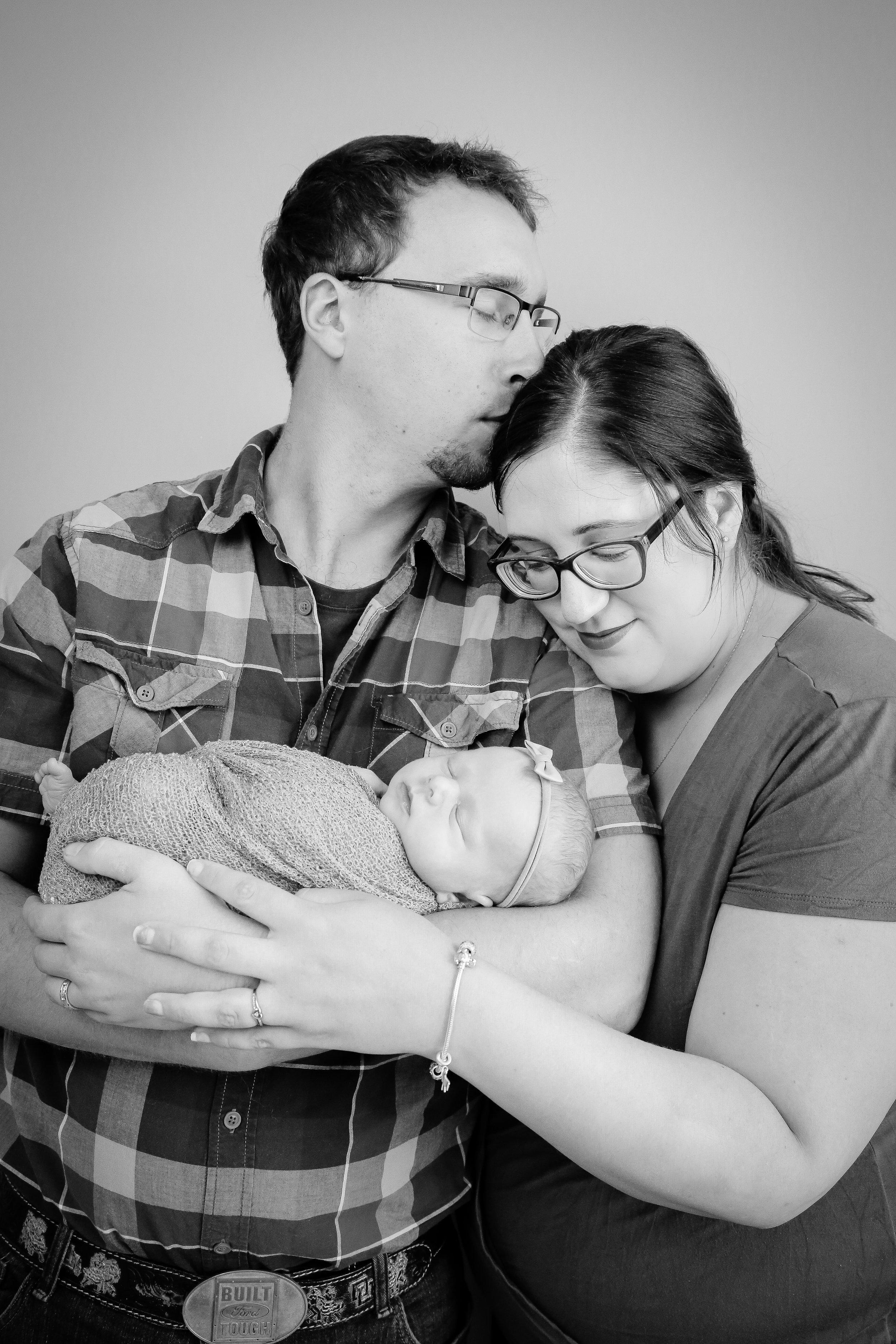 Annabelle {Newborn!}-68.jpg
