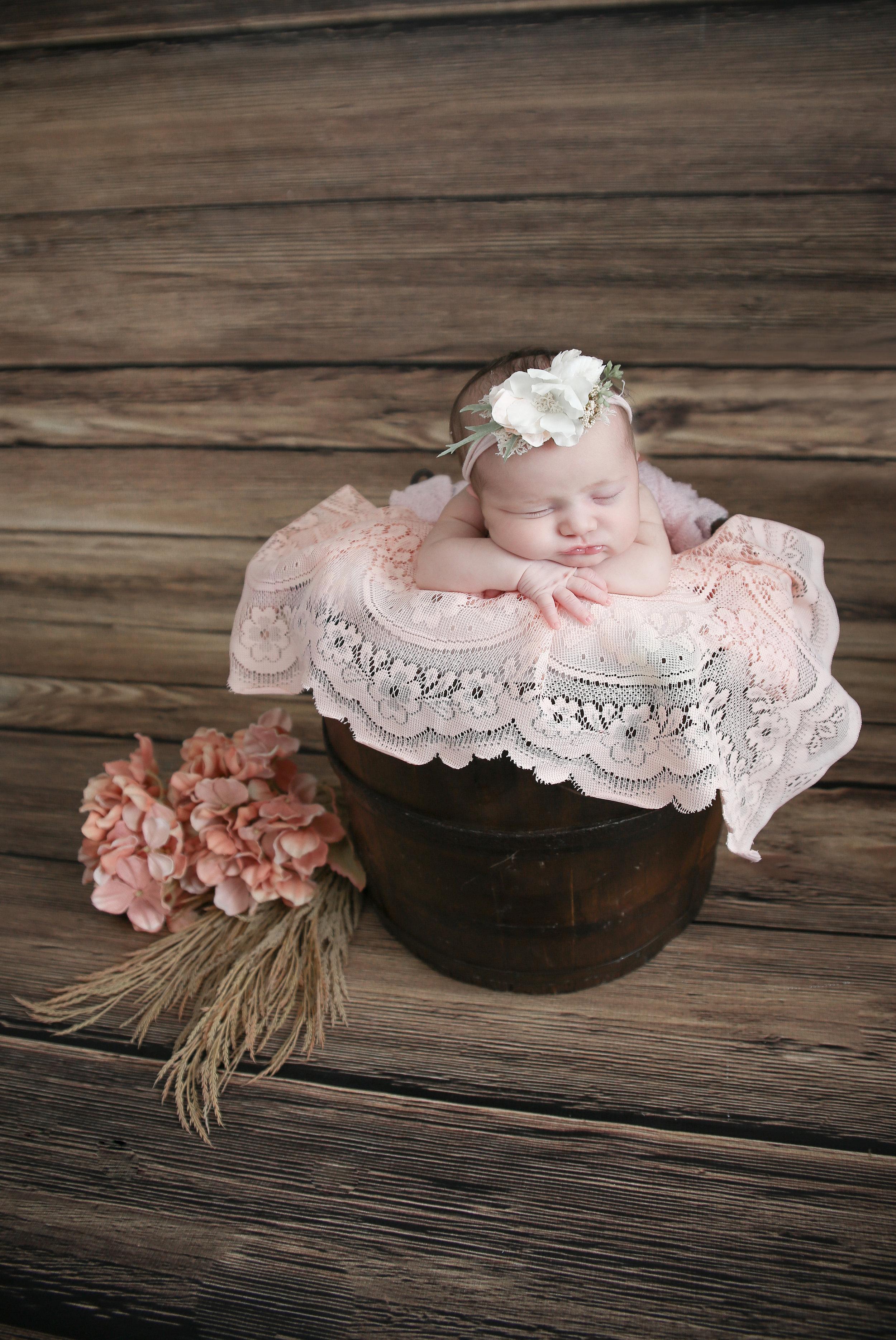 Delia Rose {Newborn!}-45.jpg
