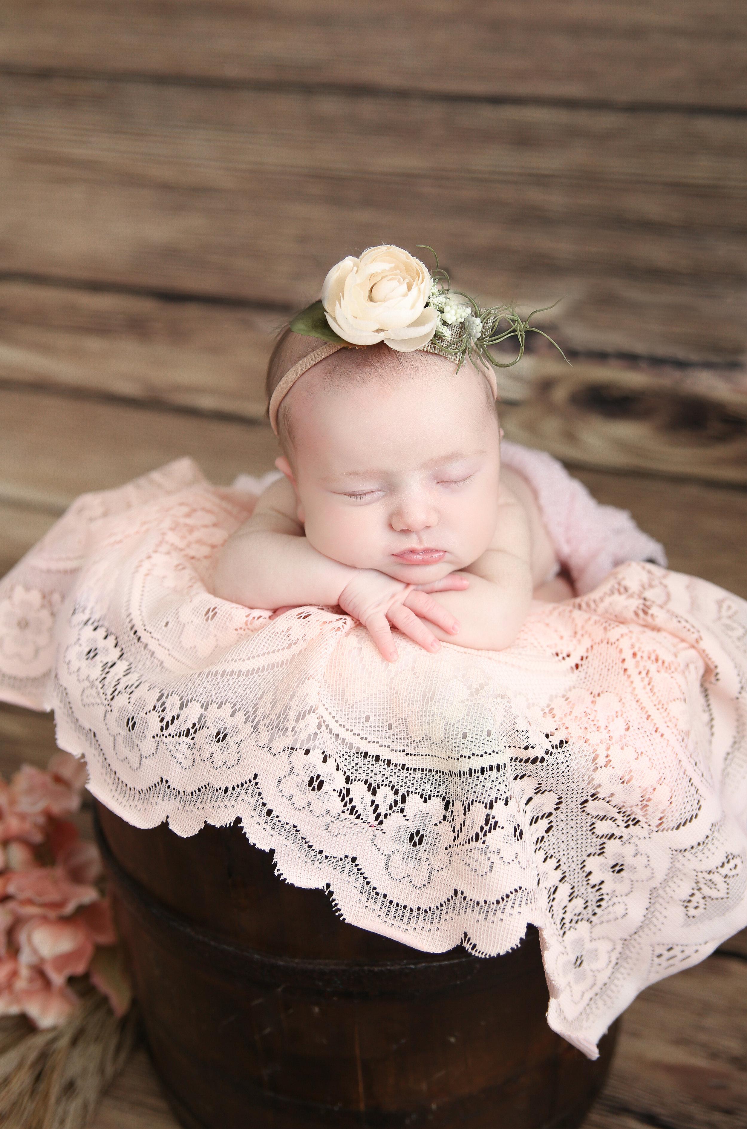 Delia Rose {Newborn!}-35.jpg