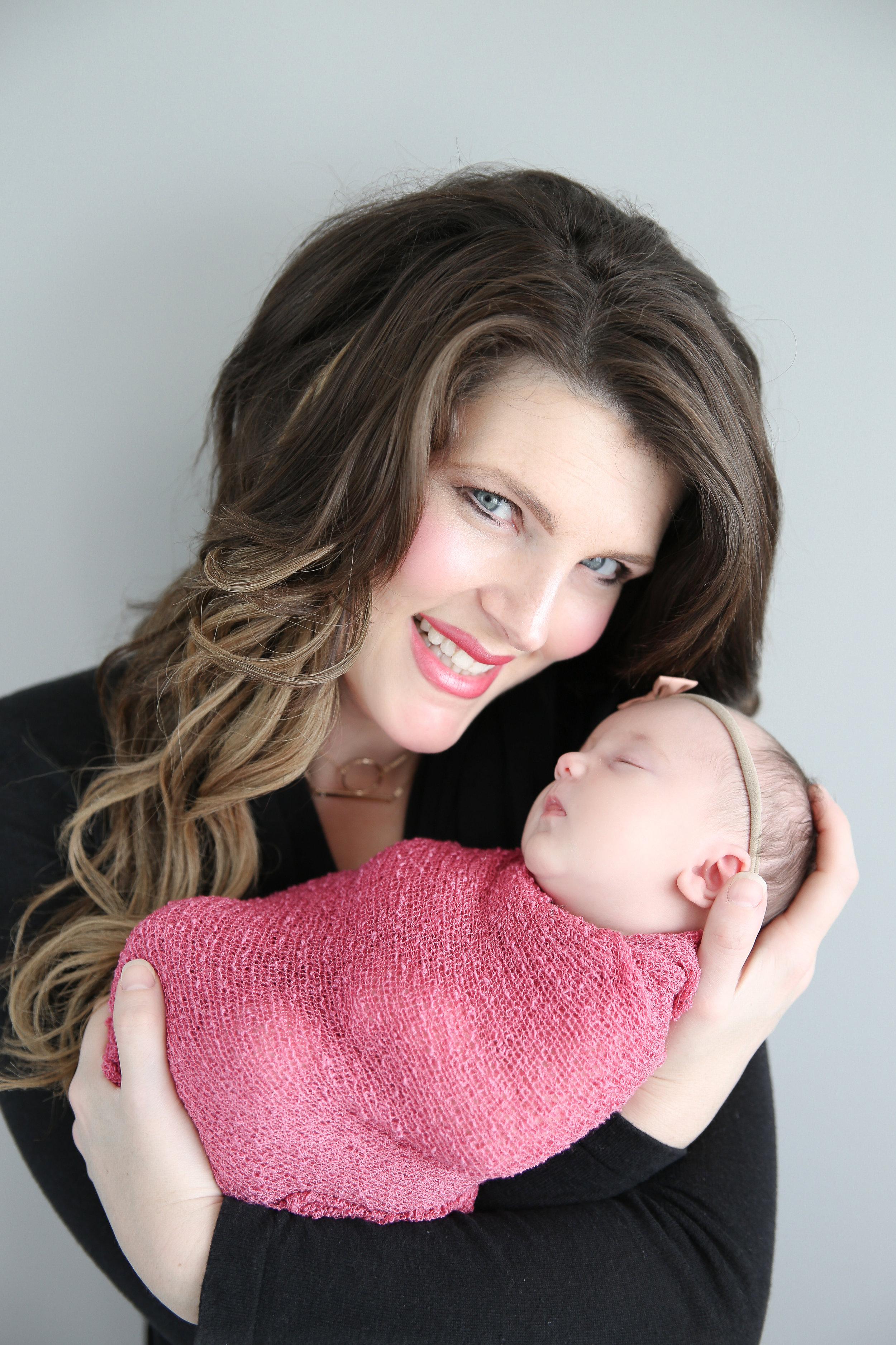 Delia Rose {Newborn!}-19.jpg