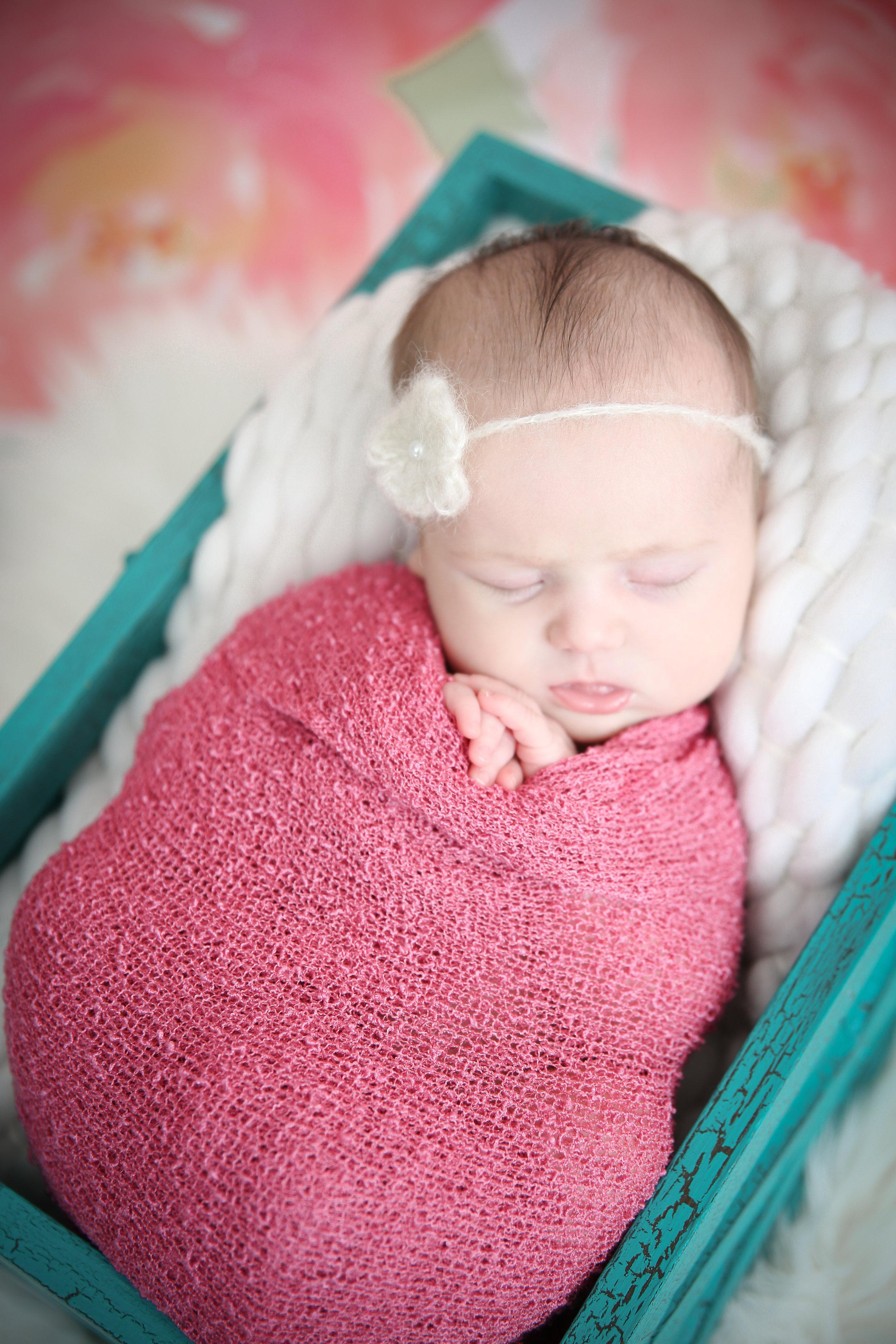 Delia Rose {Newborn!}-7.jpg