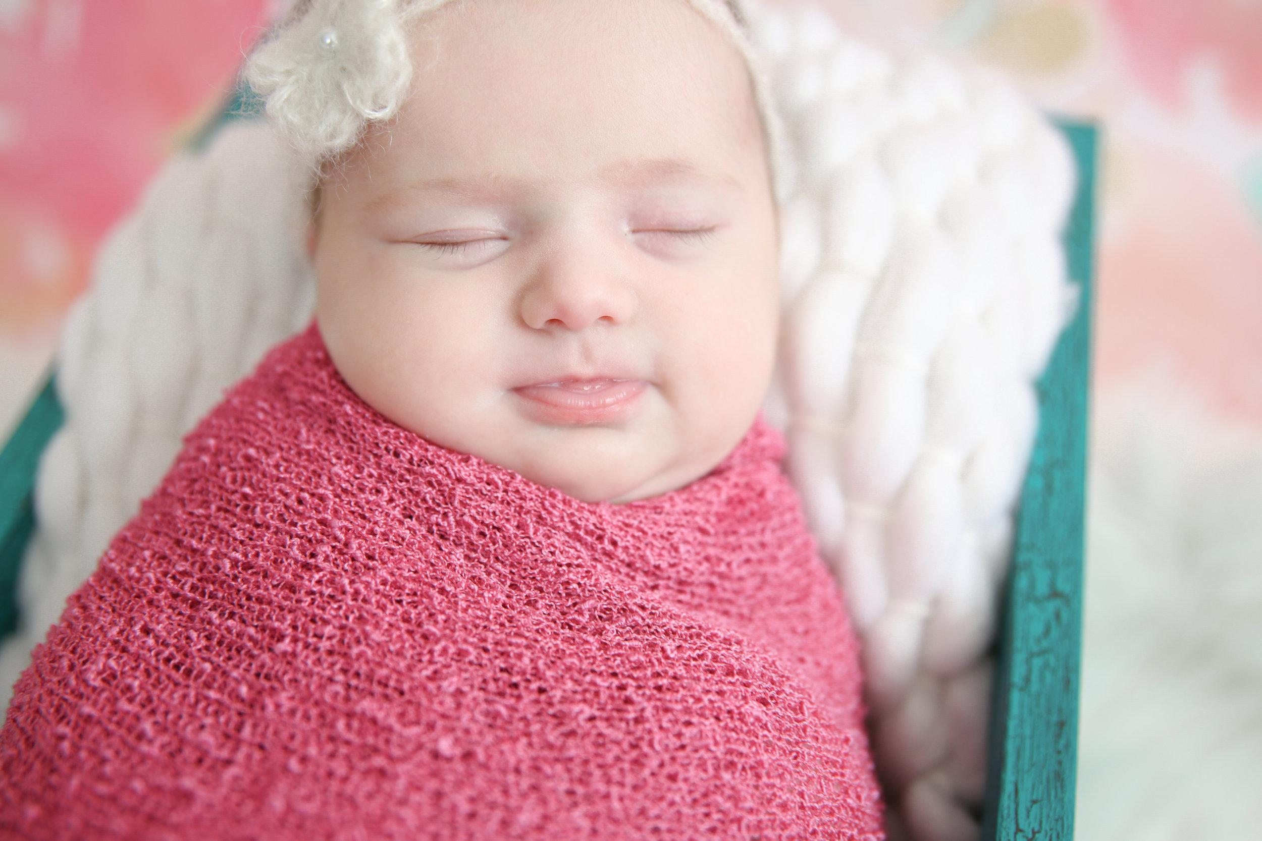 Delia Rose {Newborn!}-5.jpg