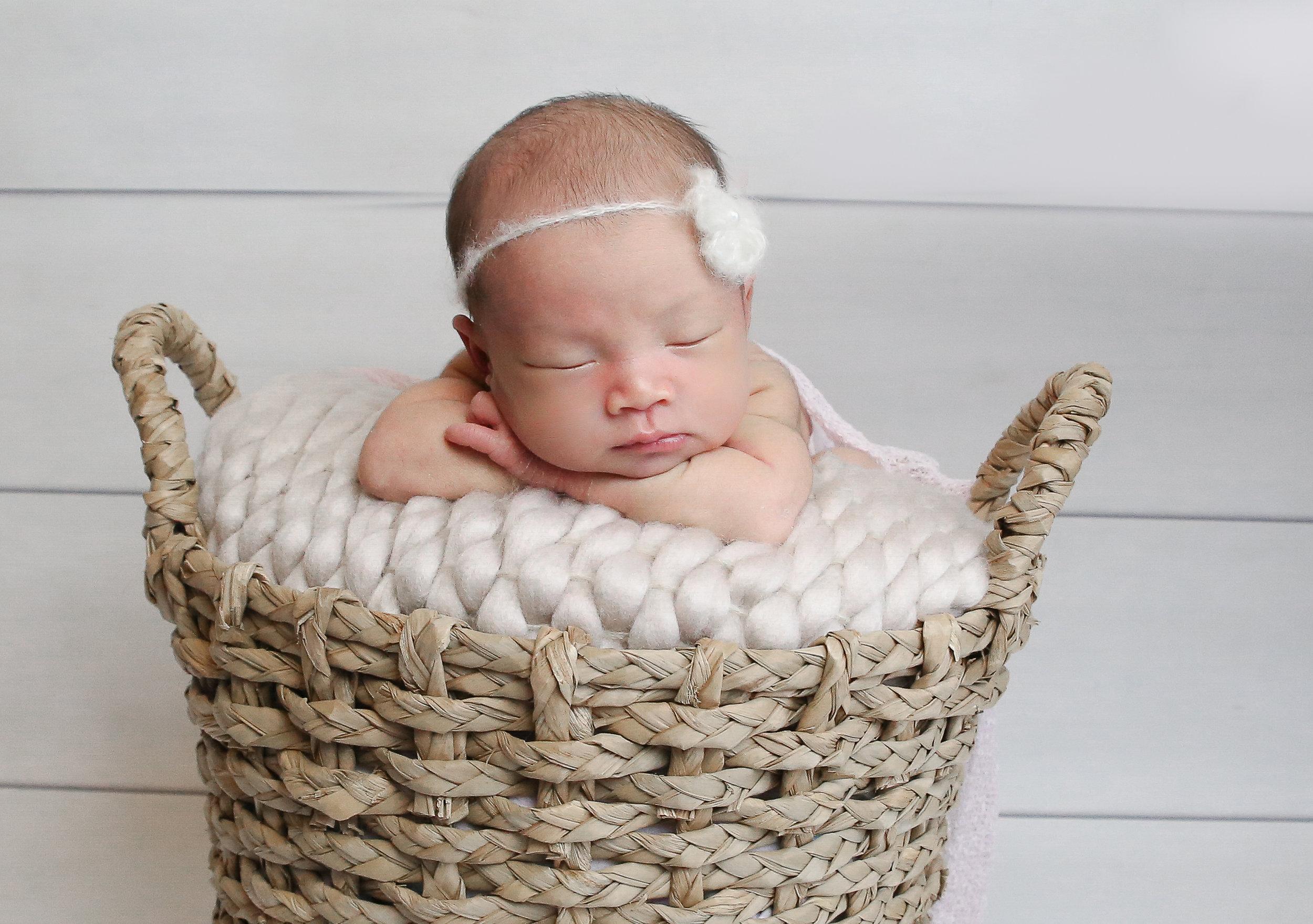 Ellie {Newborn!}-96.jpg