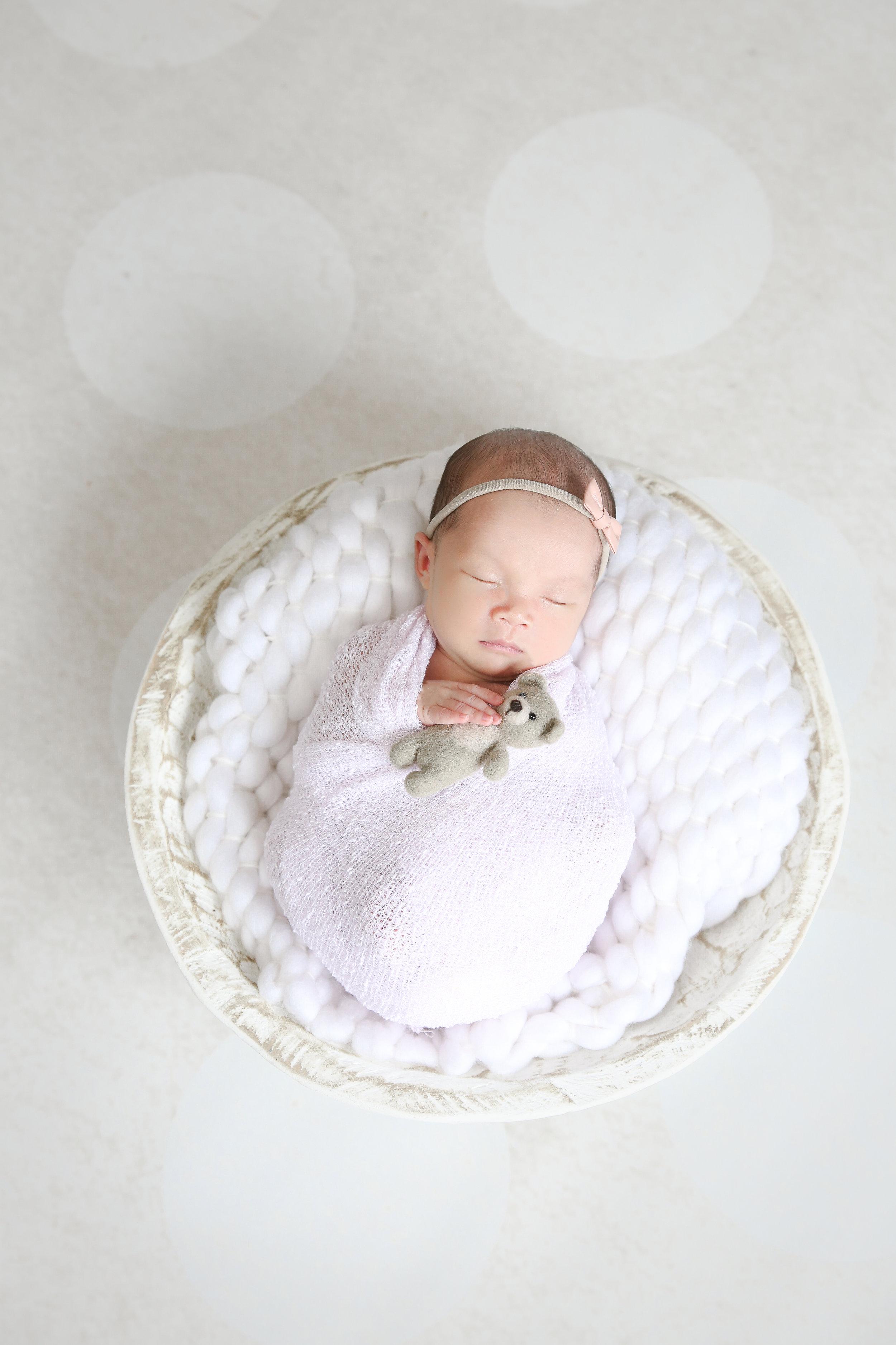 Ellie {Newborn!}-44.jpg