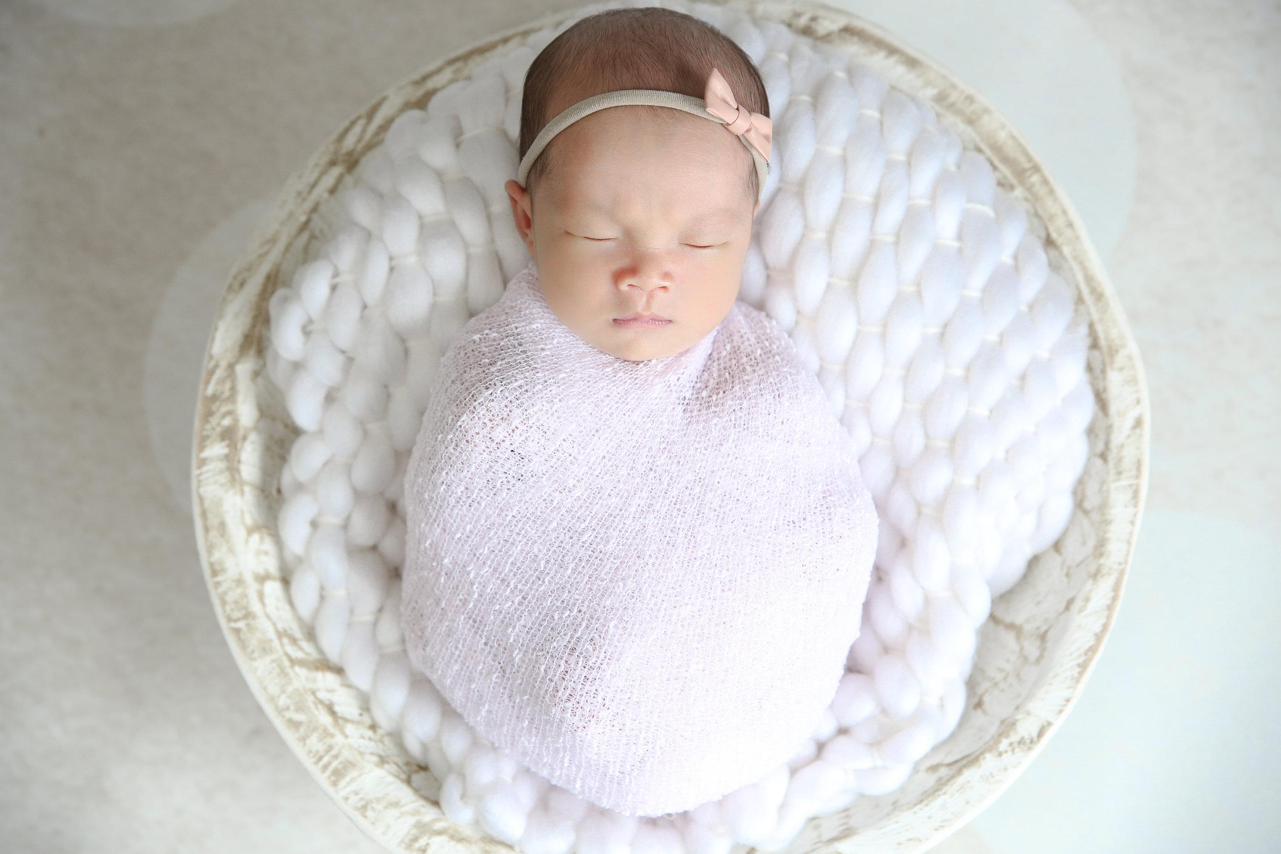 Ellie {Newborn!}-30.jpg