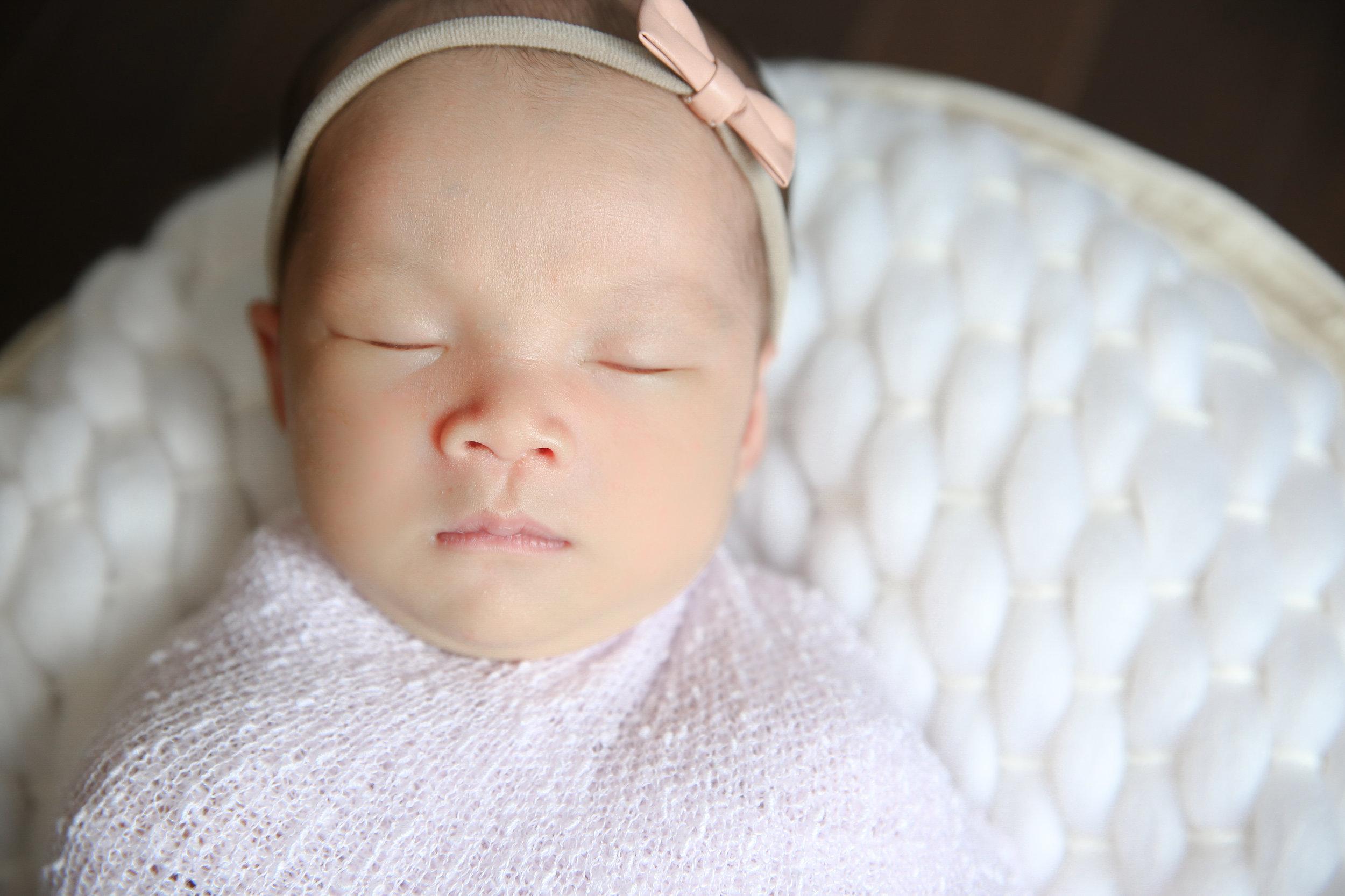 Ellie {Newborn!}-20.jpg