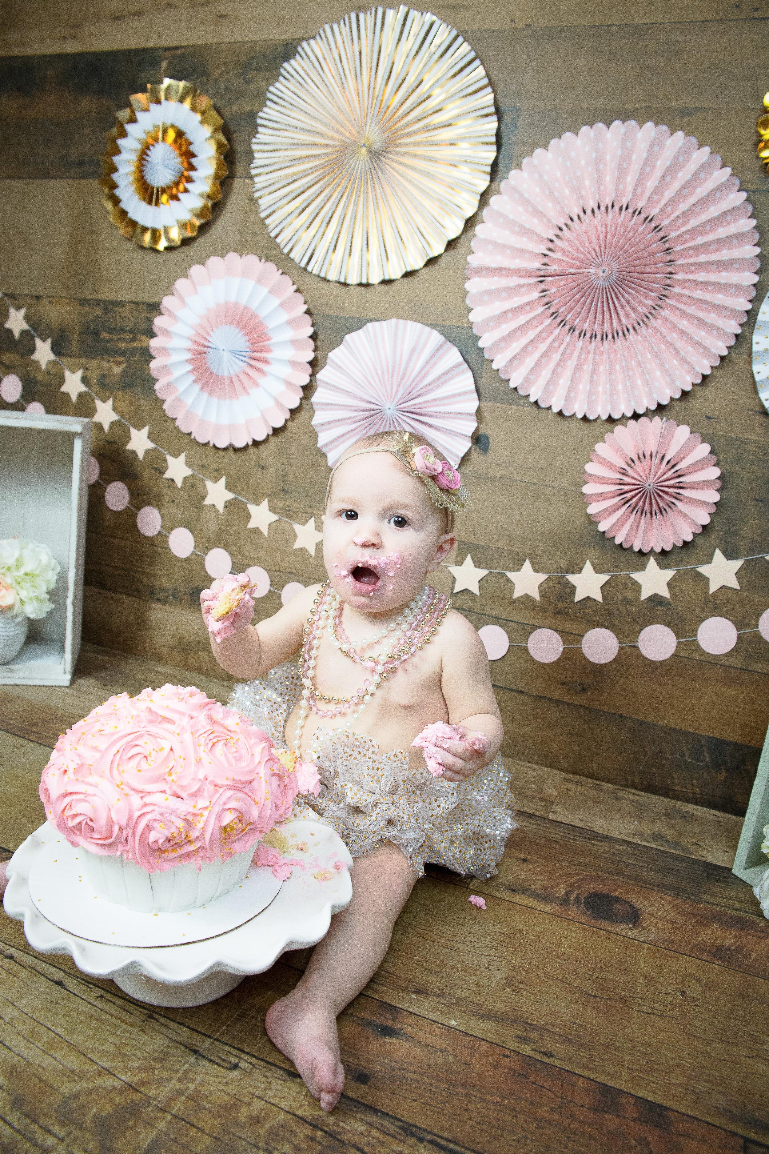 Gwen {CakeSmash!}_WEB-87.jpg