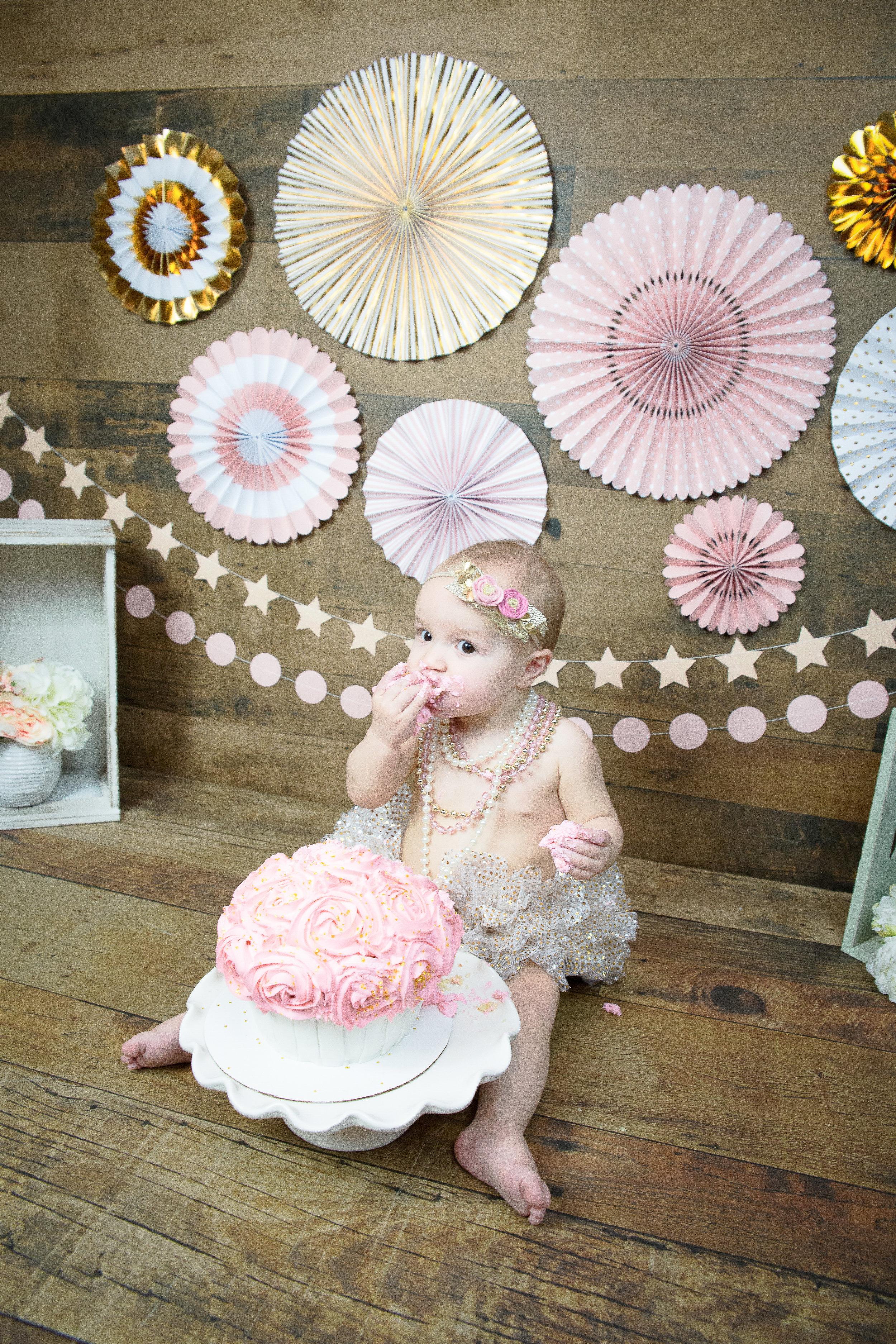 Gwen {CakeSmash!}_WEB-85.jpg