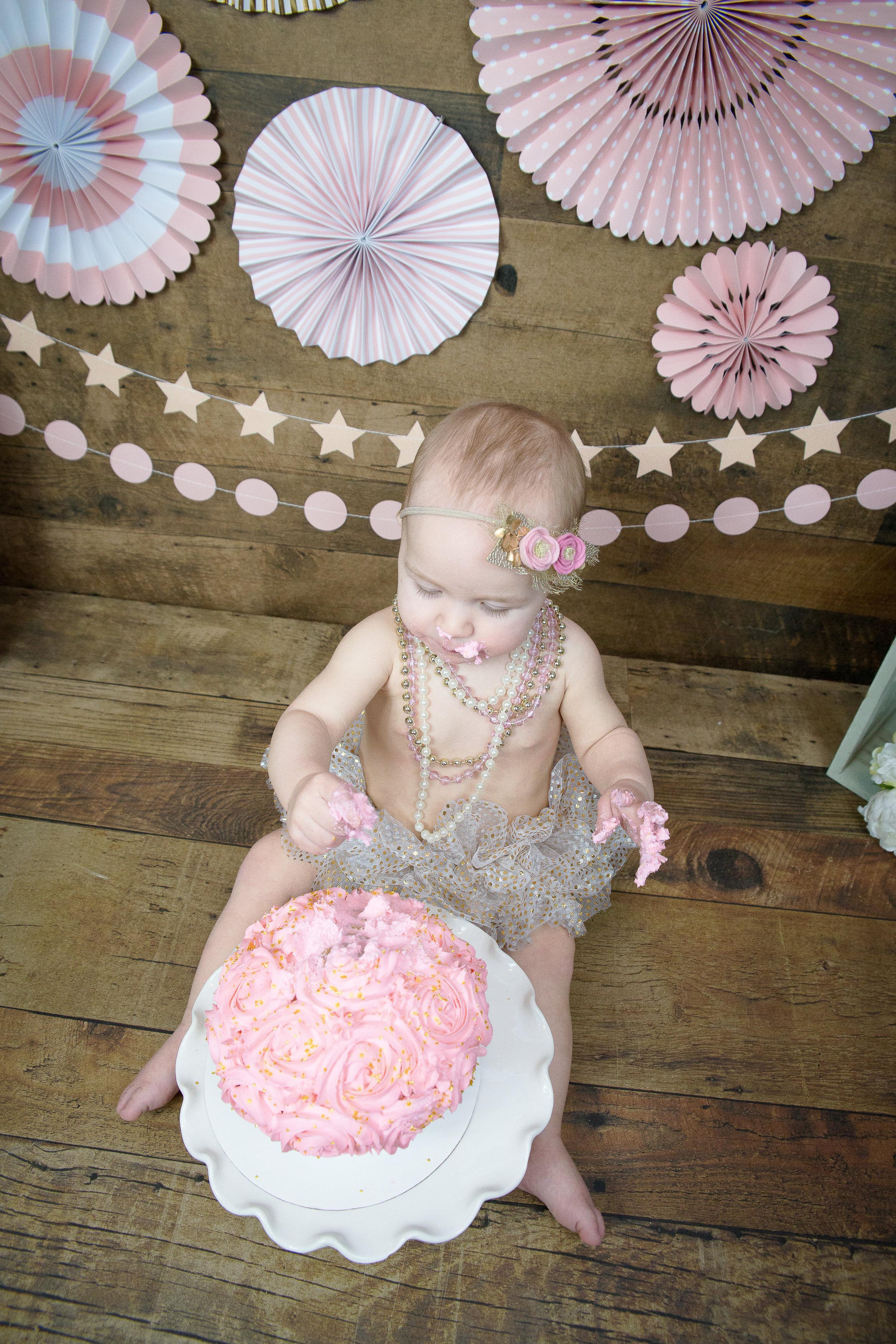 Gwen {CakeSmash!}_WEB-71.jpg