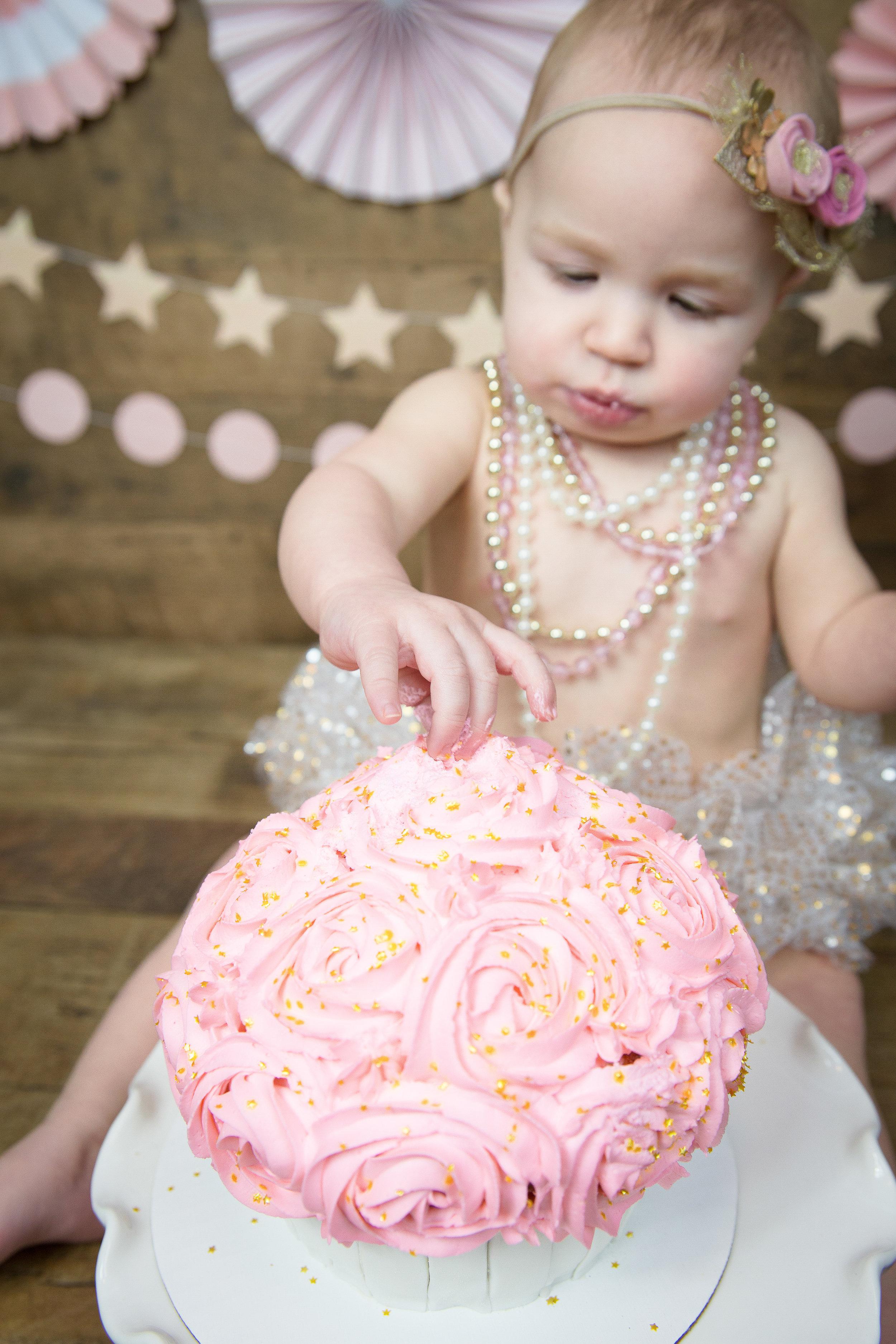 Gwen {CakeSmash!}_WEB-43.jpg