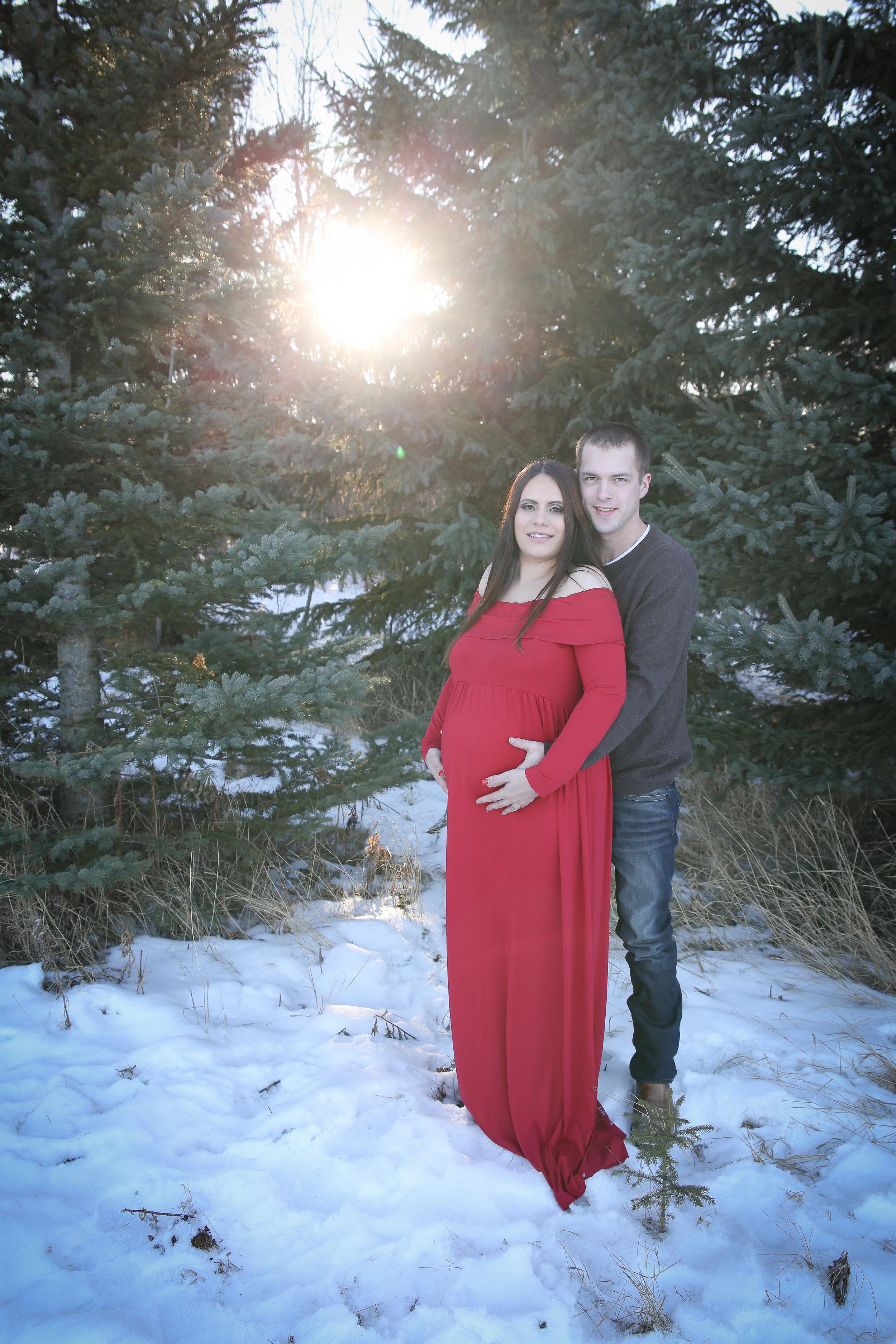 Lyndsi {Maternity!}-33.jpg