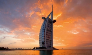Jumeirah Hotels:  One category room upgrade at check-in Daily buffet breakfast for two Complimentary high speed internet $100 food and beverage or spa credit Early check-in/late 4:00 PM check-out Complimentary Wi-Fi