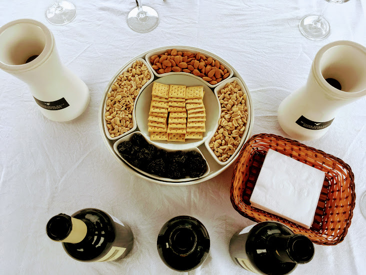 Share plates & sultry wine blends