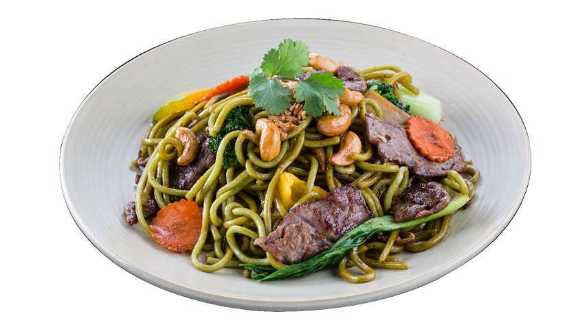 Beef Cashew with Spinach Noodle
