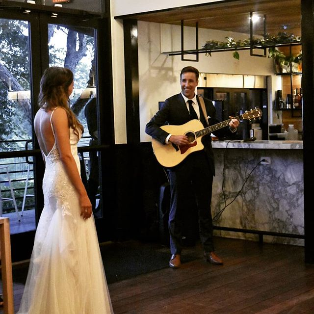 Summer heat. Summer love. Makes a man want to serenade his bride at their reception.  Congrats to the wedding couple. Sing on!❣️ #tillerykitchenandbar  #austinwedding  #weddingaustin  #weddingvenue #weddingreception  #wedding  #tietheknot