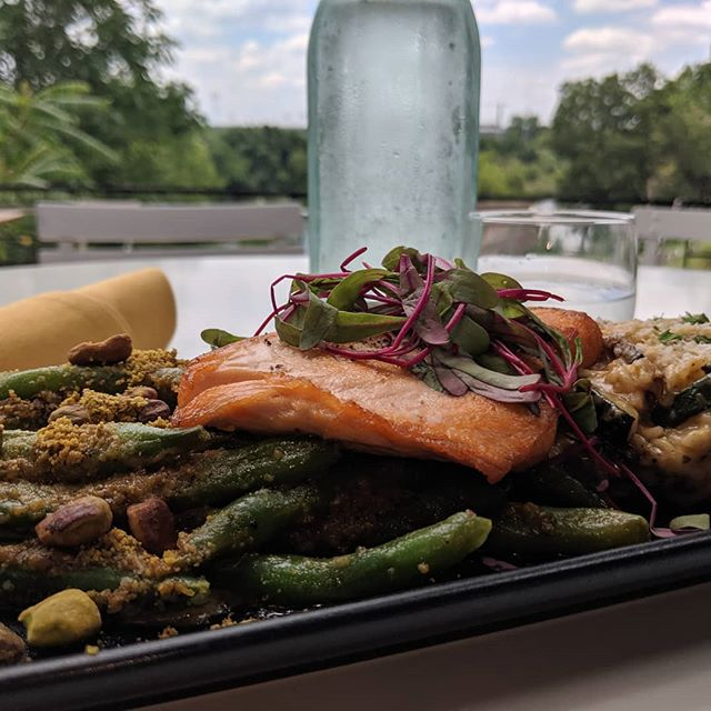 What's hot and new at Tillery? Seared Salmon with sauted haricots and risotto. Choose healthy, choose delicious.  #tillerykitchenandbar  #austineats #atx_bites  #eatdrinkaustin  #salmon