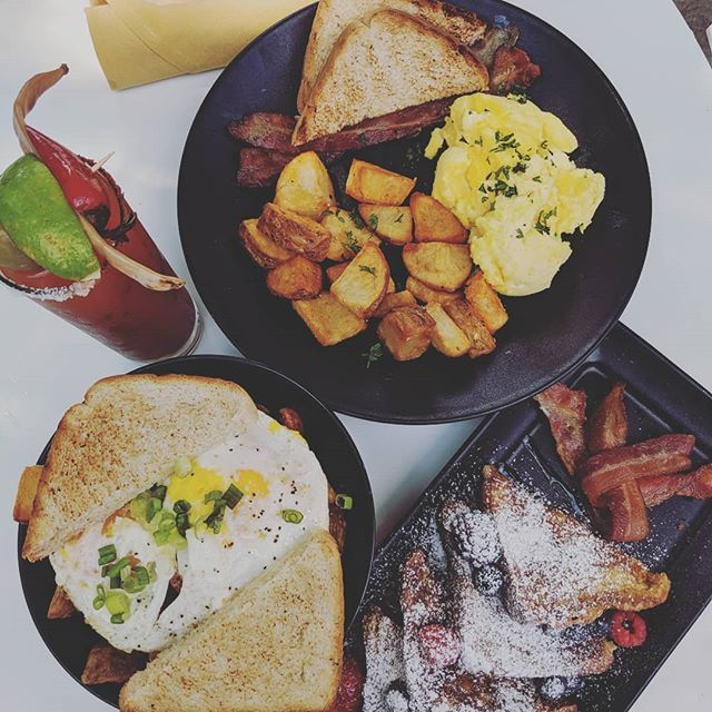Brunch on the patioooooo. Ooooh, so gooooood. Sat/Sun 11-3 pm.  Let's goooo!! #tillerykitchenandbar  #austinbrunch  #austin360 #eastaustin #austineats