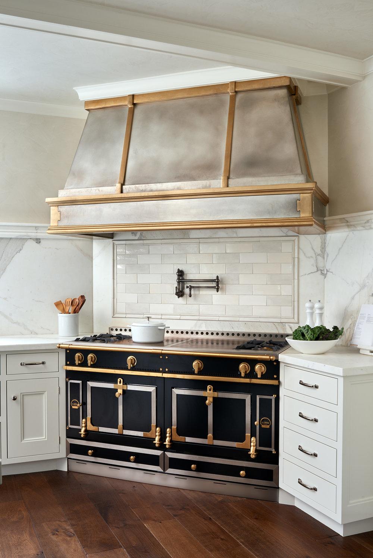 10_Kitchen_Range.jpg